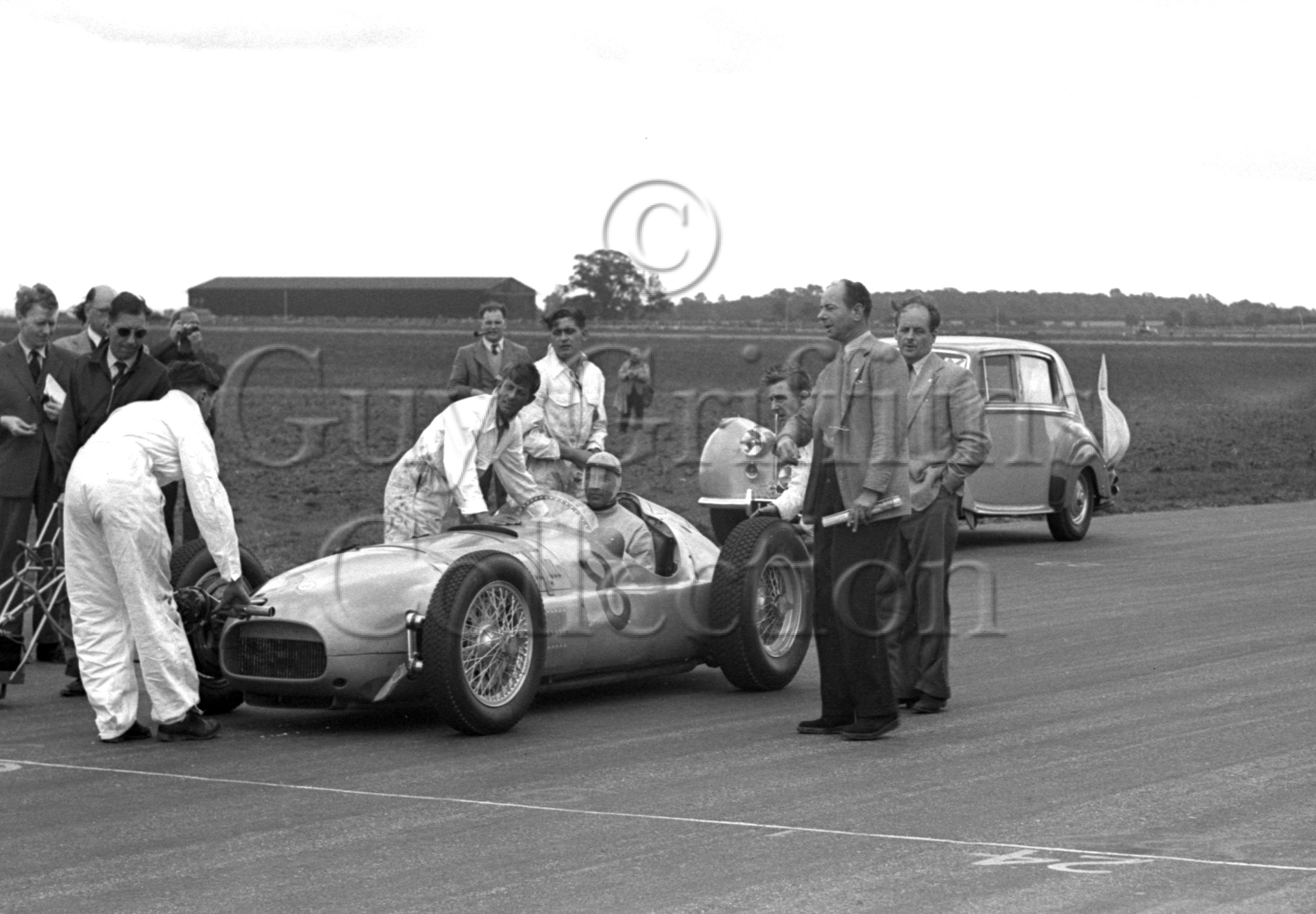 36-15–R-Sommer–BRM–Silverstone–26-08-1950.jpg - The Guy Griffiths Collection