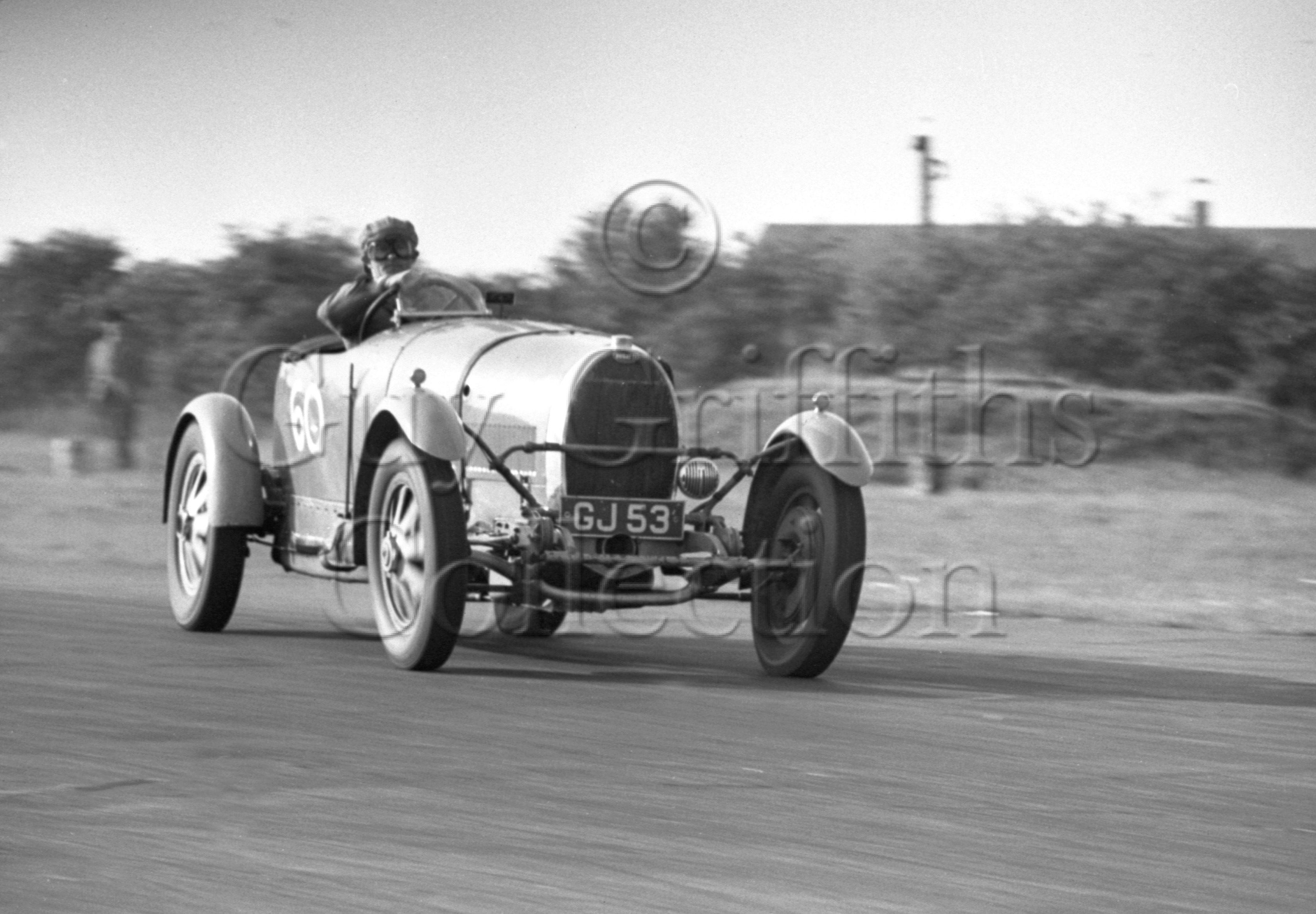 48-964–B-Wyatt–Bugatti–Snetterton–27-10-1951.jpg - The Guy Griffiths Collection