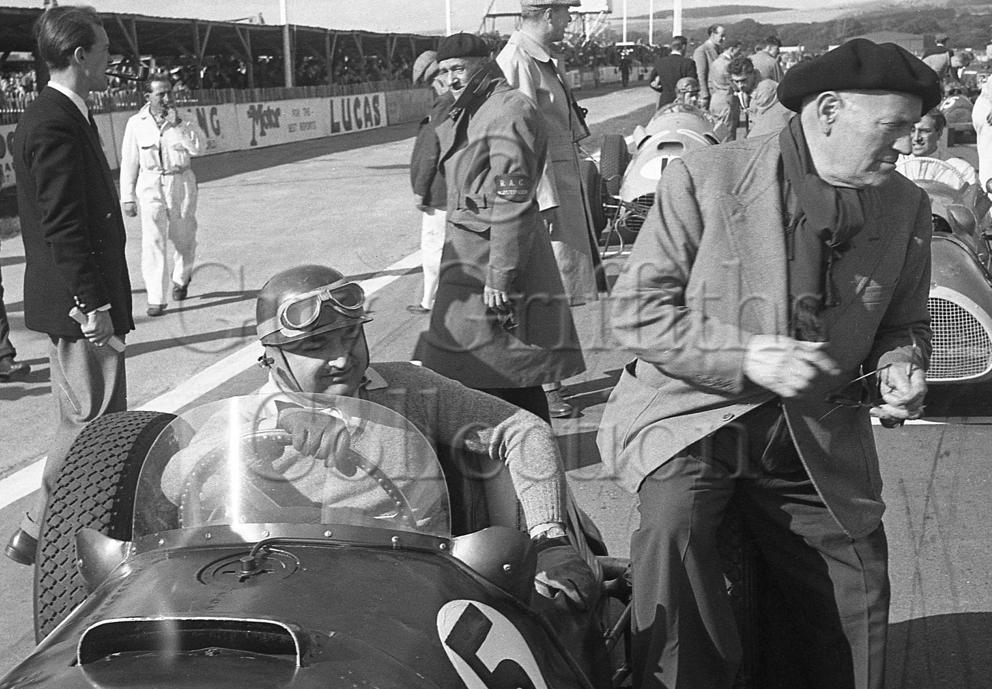 62-421–F-Gonzalez–BRM–Goodwood–27-09-1952.jpg - The Guy Griffiths Collection