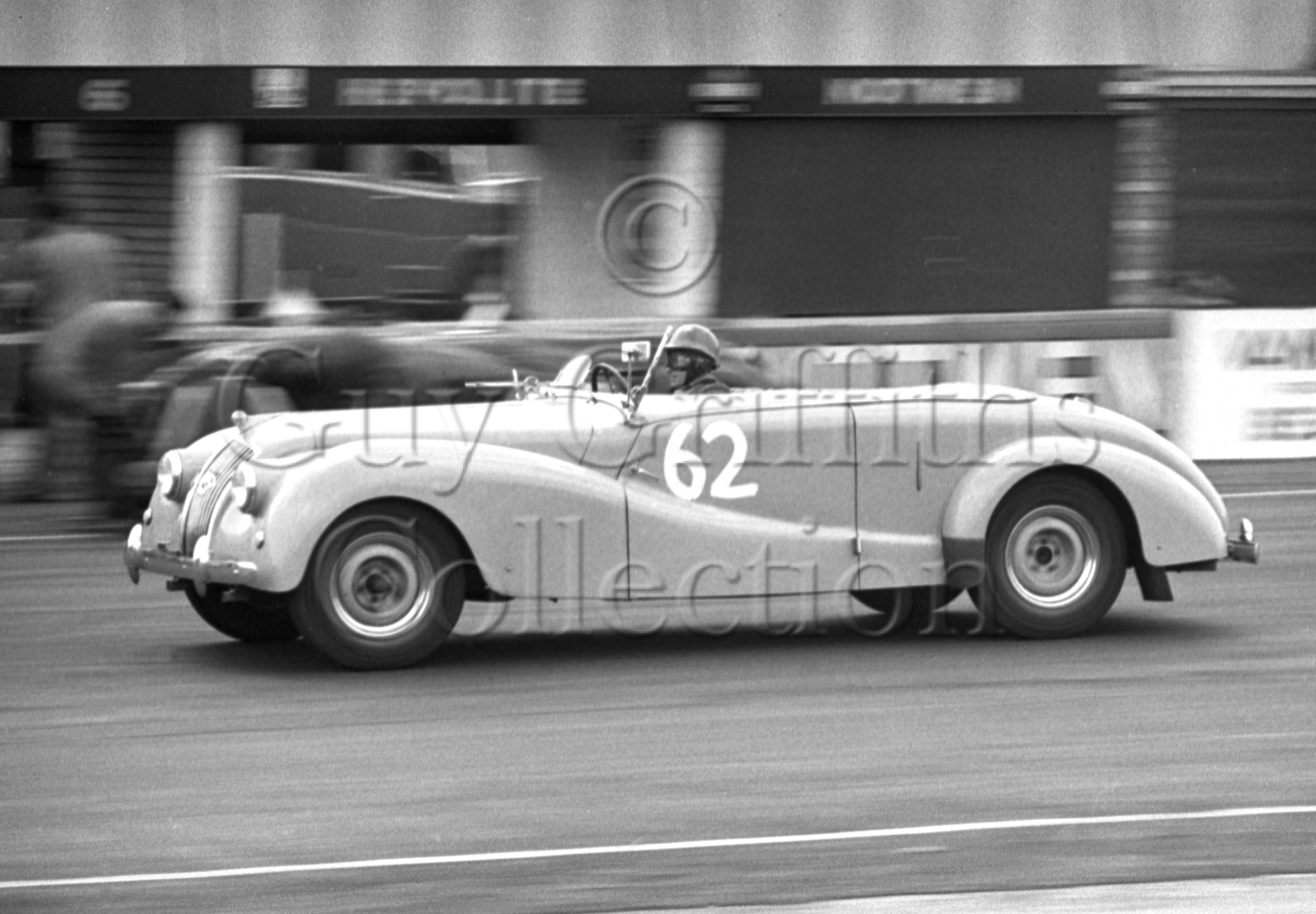 71-174–H-F-Day–AC–Silverstone–06-06-1953.jpg - The Guy Griffiths Collection