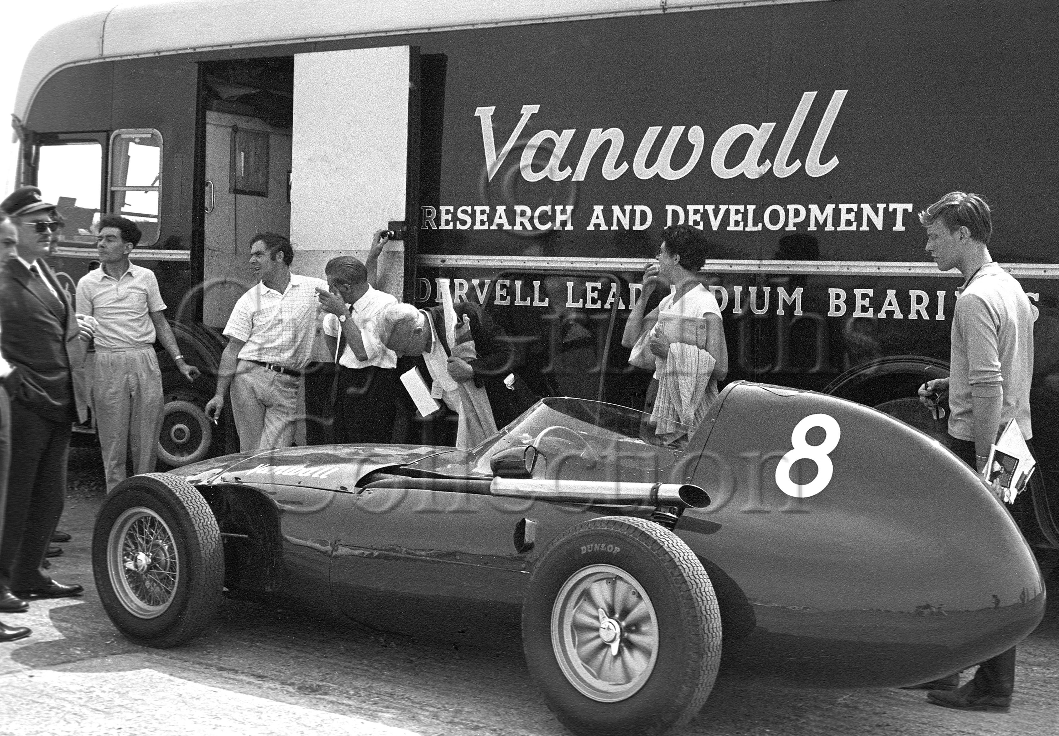 119-551–Vanwall–Silverstone-15-06-1969.jpg - The Guy Griffiths Collection