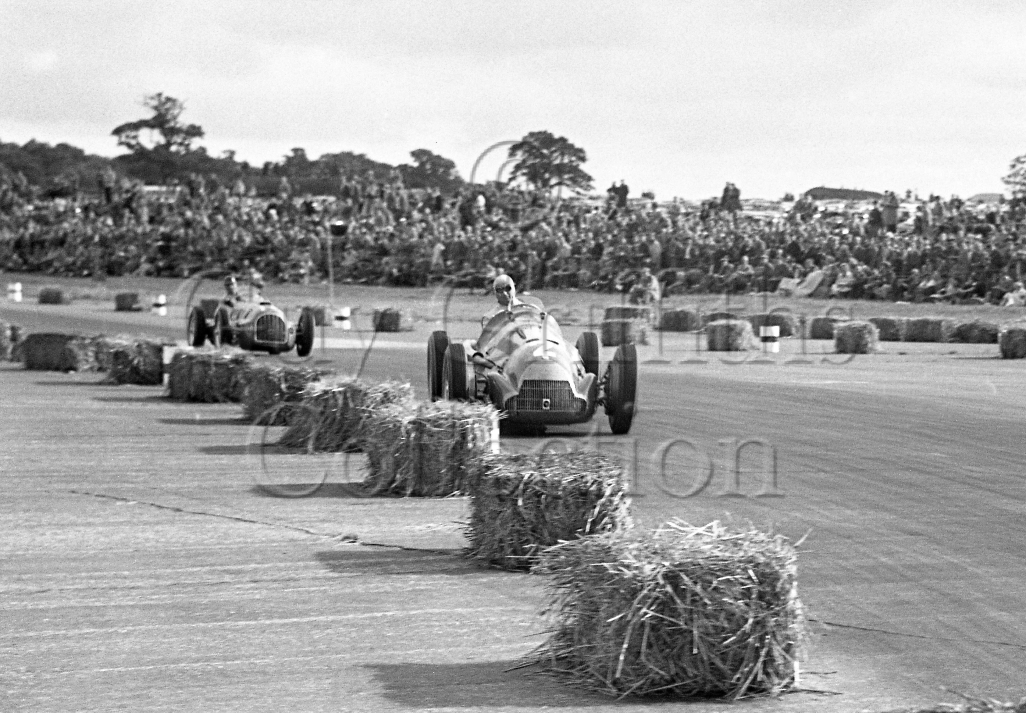 36-131–J-Fangio–Alfa-Romeo-158–Silverstone–26-08-1950.jpg - The Guy Griffiths Collection
