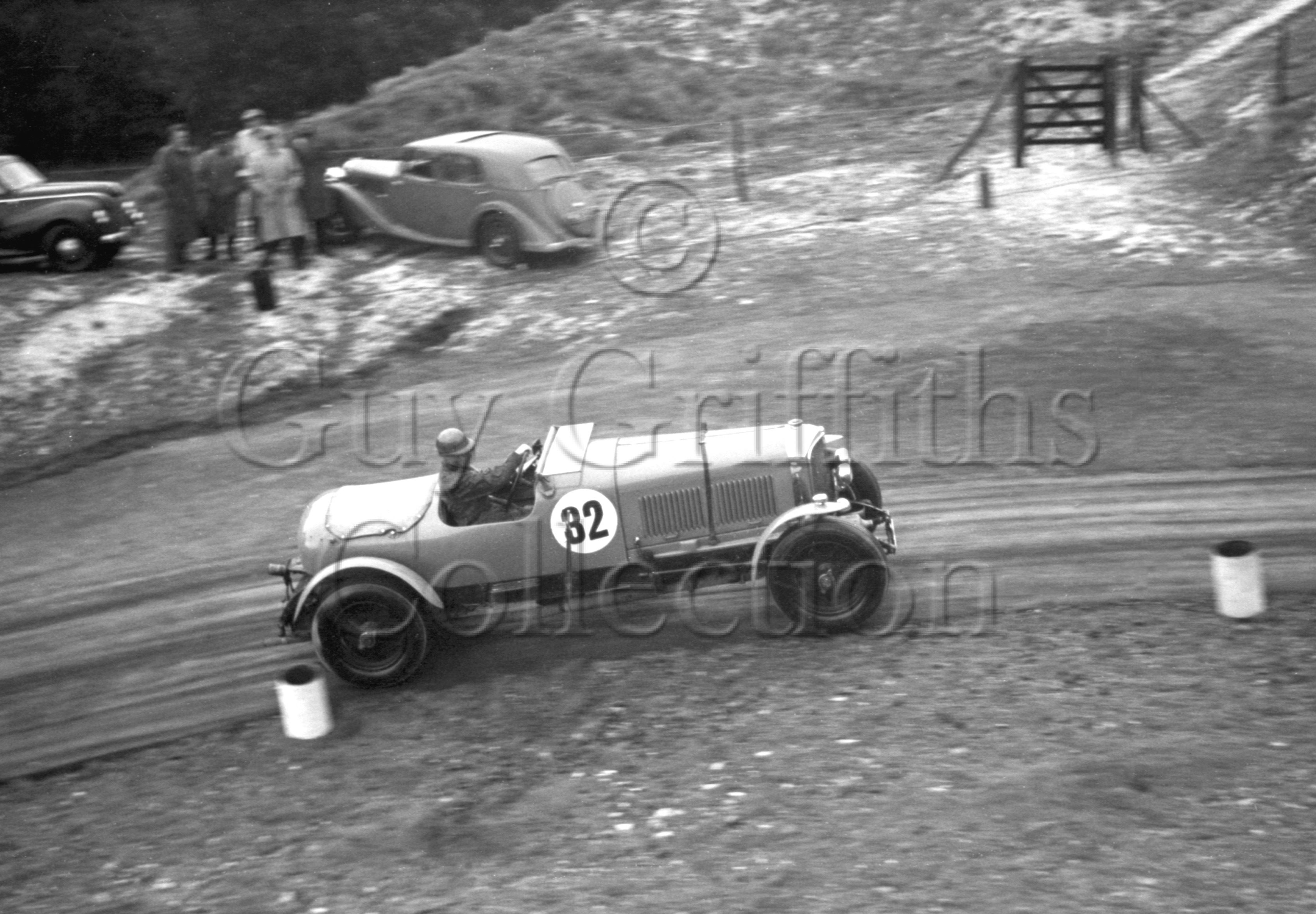 37-353–C-A-Hartridge–Bentley–Firle–24-09-1950.jpg - The Guy Griffiths Collection