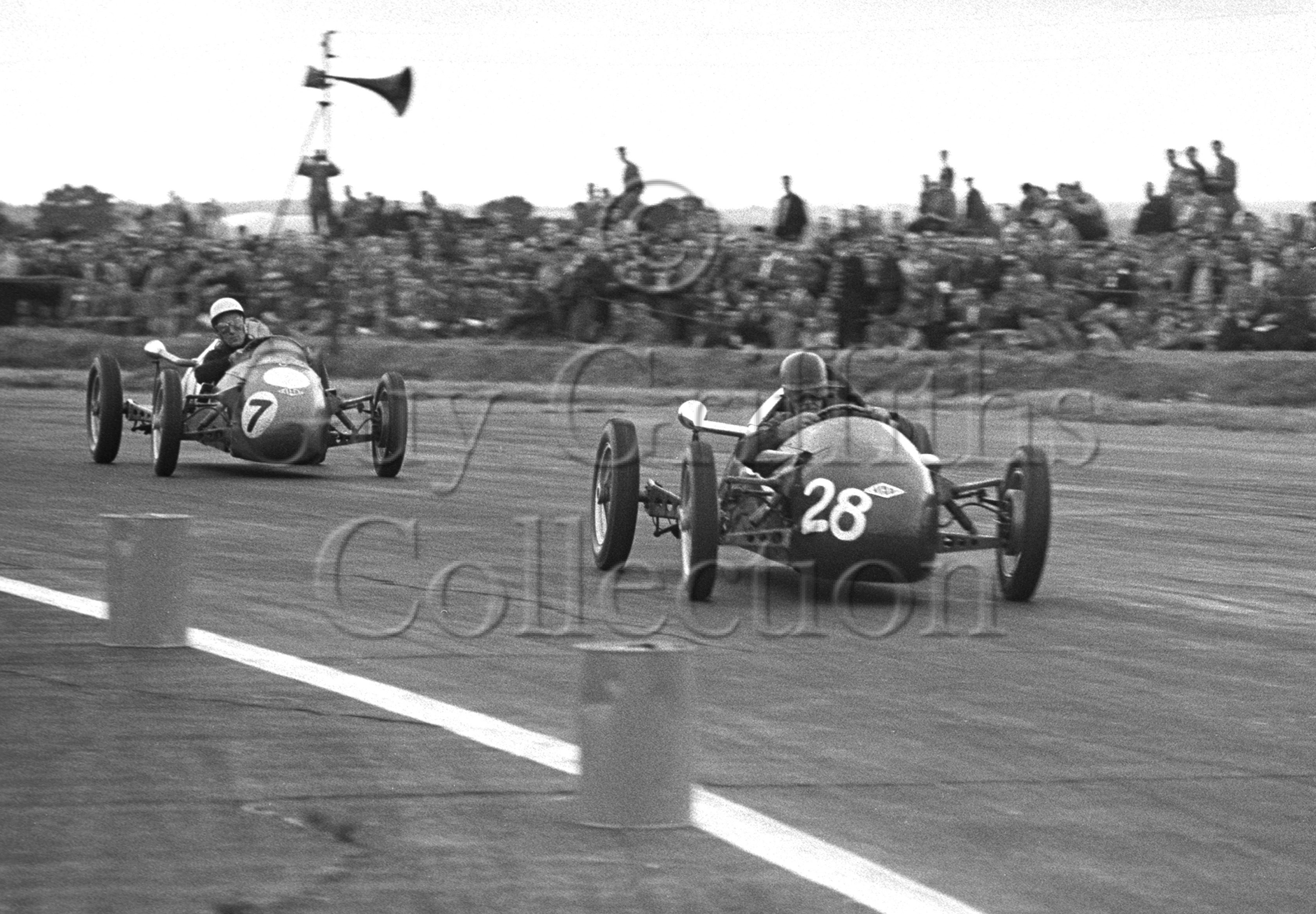 57-774–S-Moss–D-Parker–Kieft–Silverstone–19-07-1952.jpg - The Guy Griffiths Collection