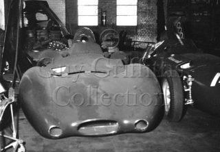 C08-82–Vanwall-Streamliner–Vanwall-factory—20-11-1968.jpg - Guy Griffiths Collection