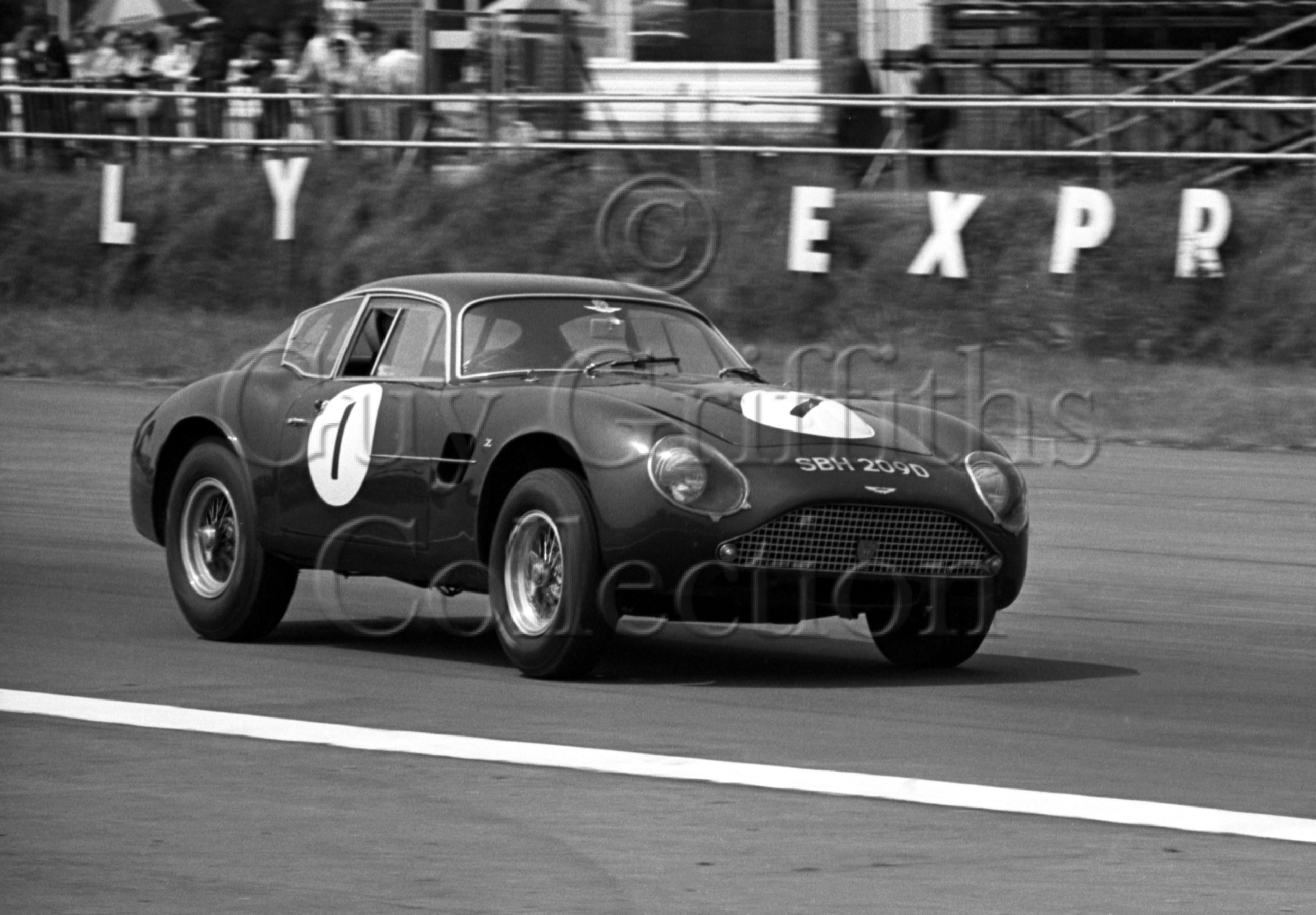 119-645–T-Leake–Aston-Martin-DB4GT–Silverstone–15-06-1969.jpg - Guy Griffiths Collection
