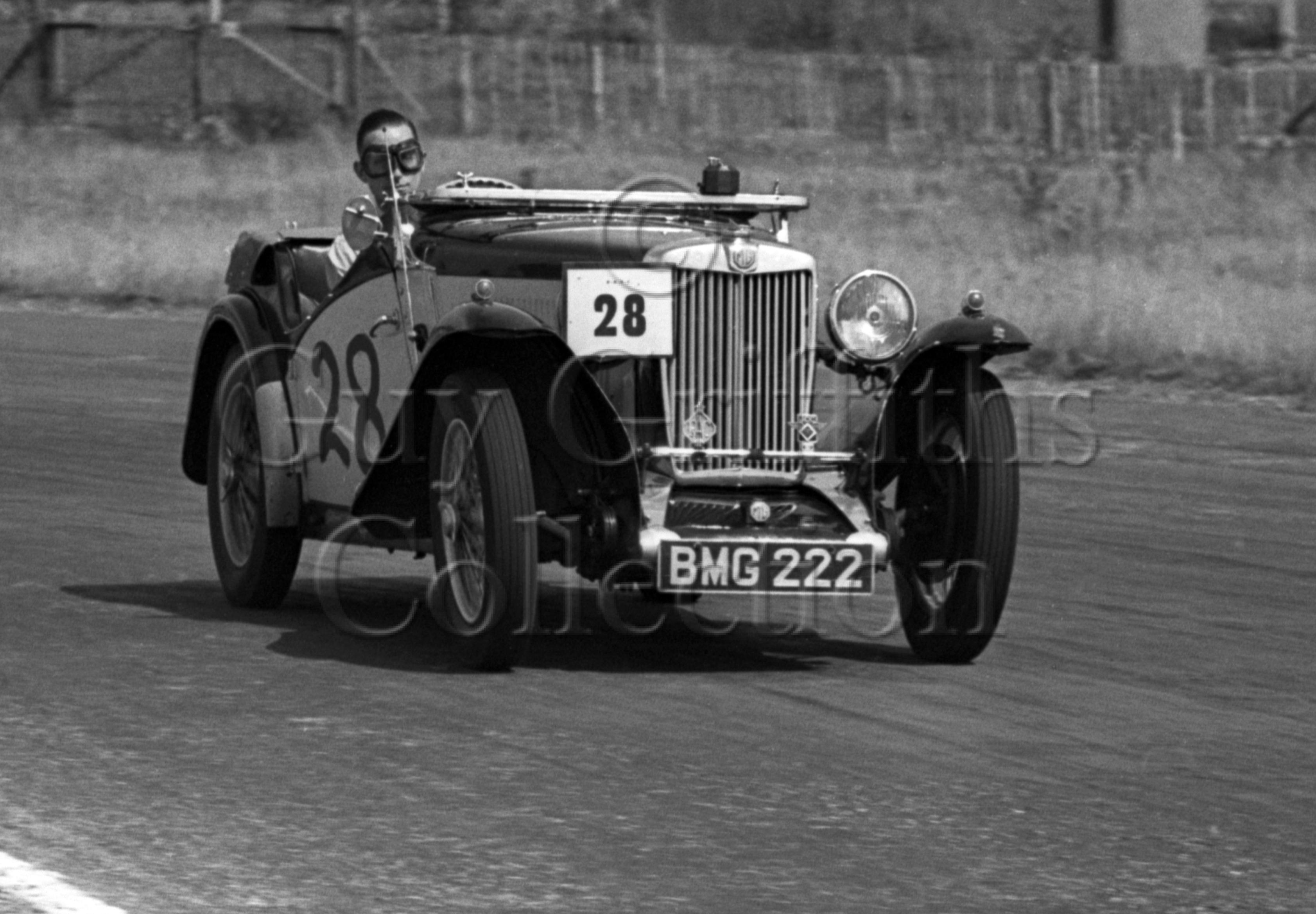 21-56–F-A-Davis–MG—Goodwood–13-08-1949.jpg - Guy Griffiths Collection
