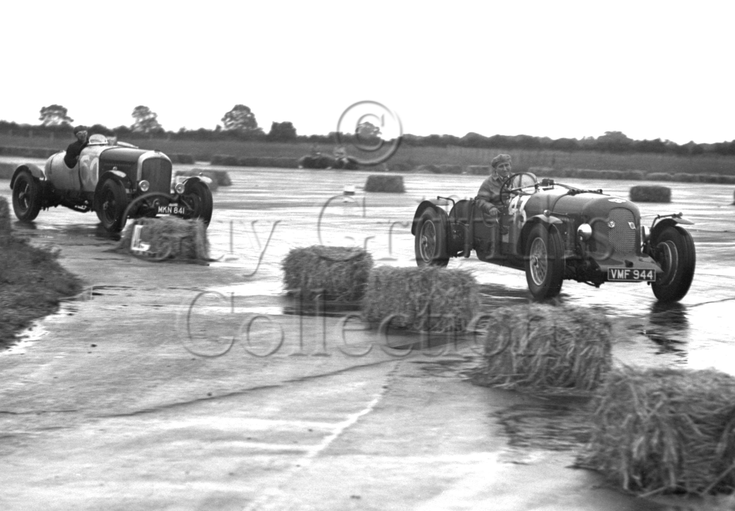 33-604–S-J-Lawrence–Bentley–Silverstone–15-07-1950.jpg - Guy Griffiths Collection