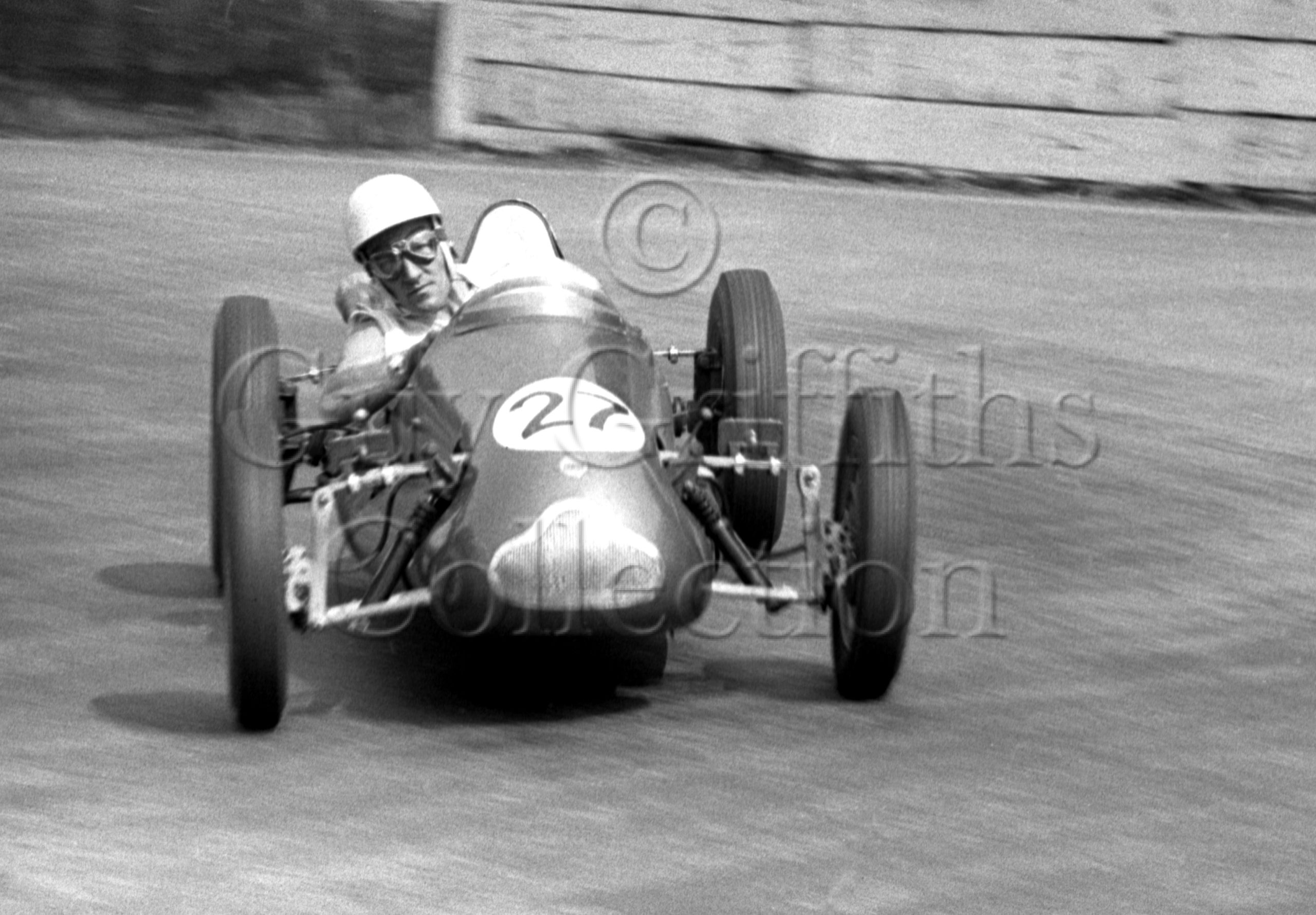 70-233–S-Moss–Cooper–Crystal-Palace–25-05-1953-.jpg - Guy Griffiths Collection