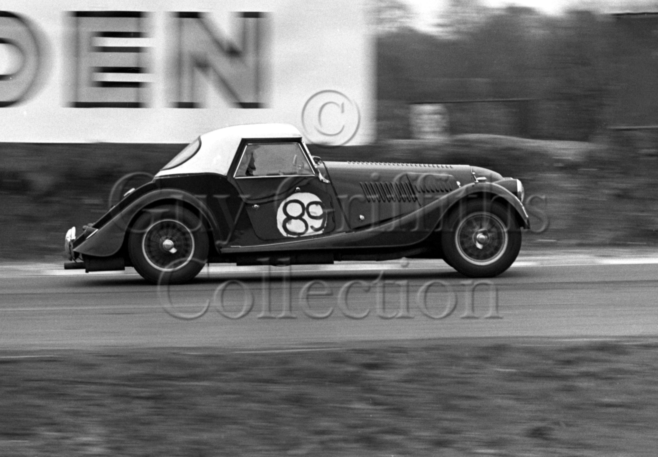 81-123–A-A-Denton–Morgan-Plus-4–Brands-Hatch–12-04-1964.jpg - Guy Griffiths Collection