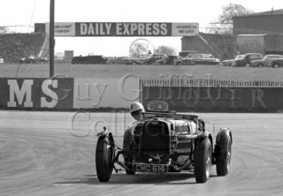 108-471–D-Edwards–Aston-Martin-CMC-614–Silverstone–20-04-1968.jpg - Guy Griffiths Collection