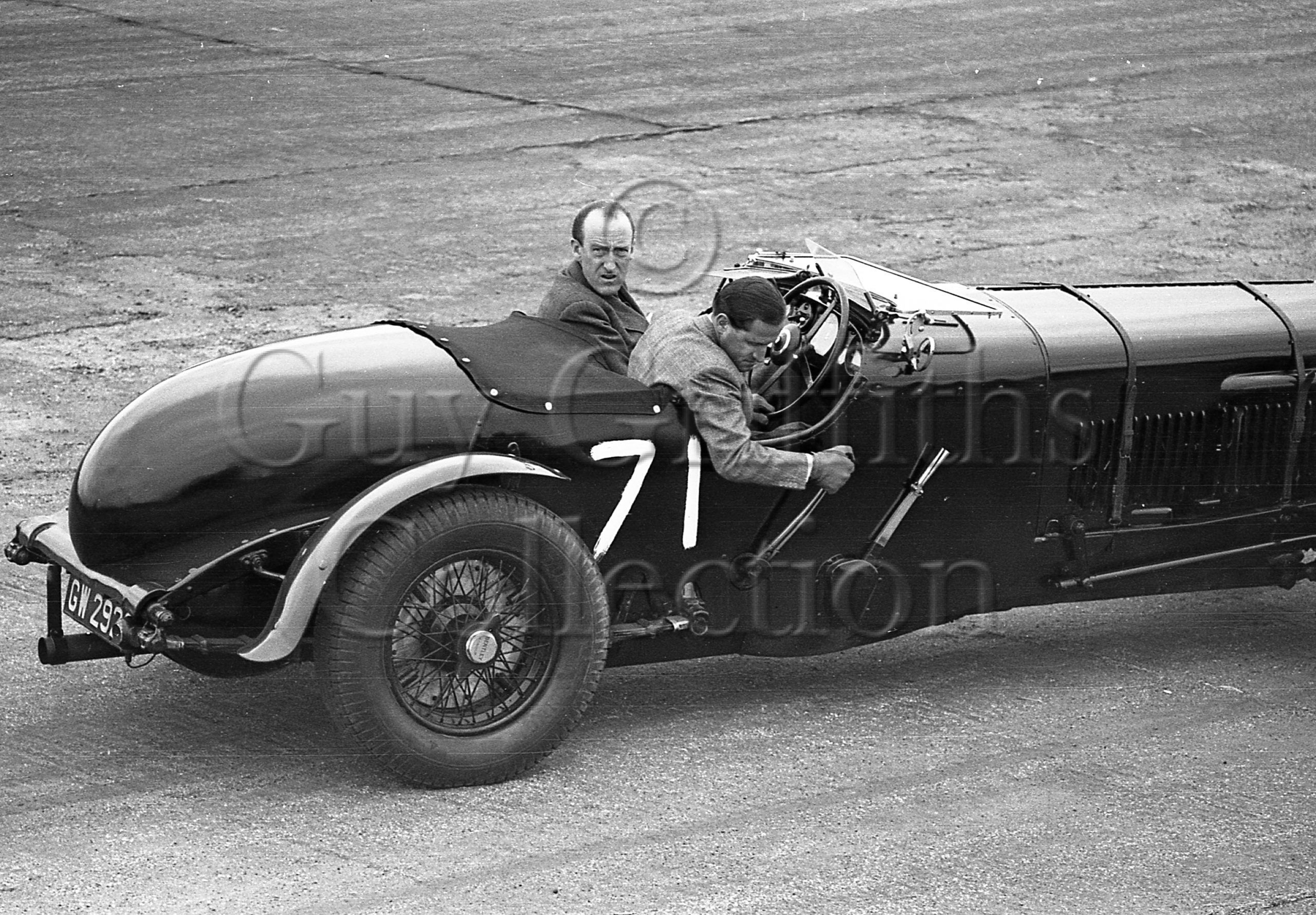 13-134–L-Johnson–Bentley–Silverstone–23-04-1949-copy.jpg - Guy Griffiths Collection