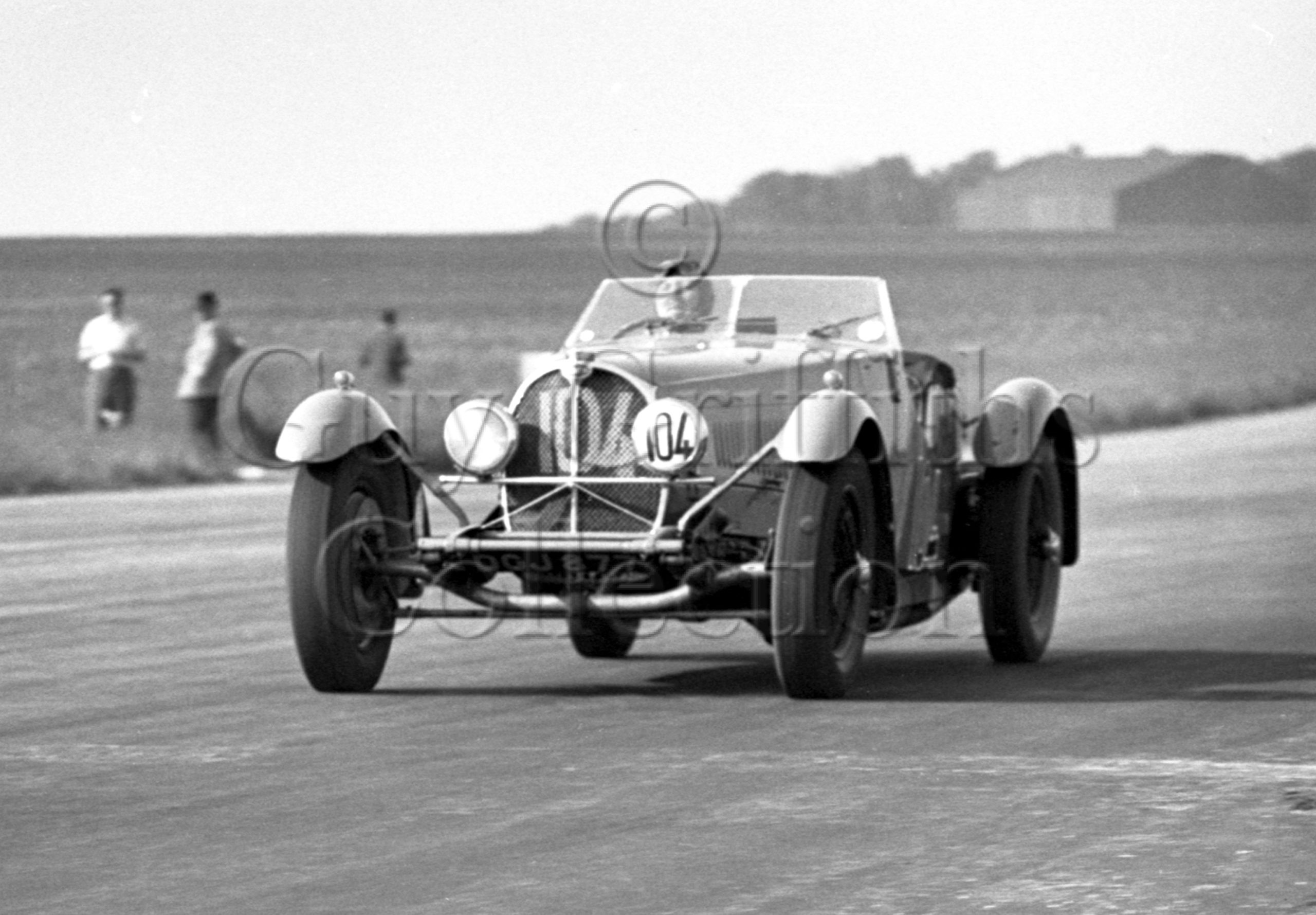 17-131–R-Symondson–Bugatti–Silverstone–18-06-1949.jpg - Guy Griffiths Collection