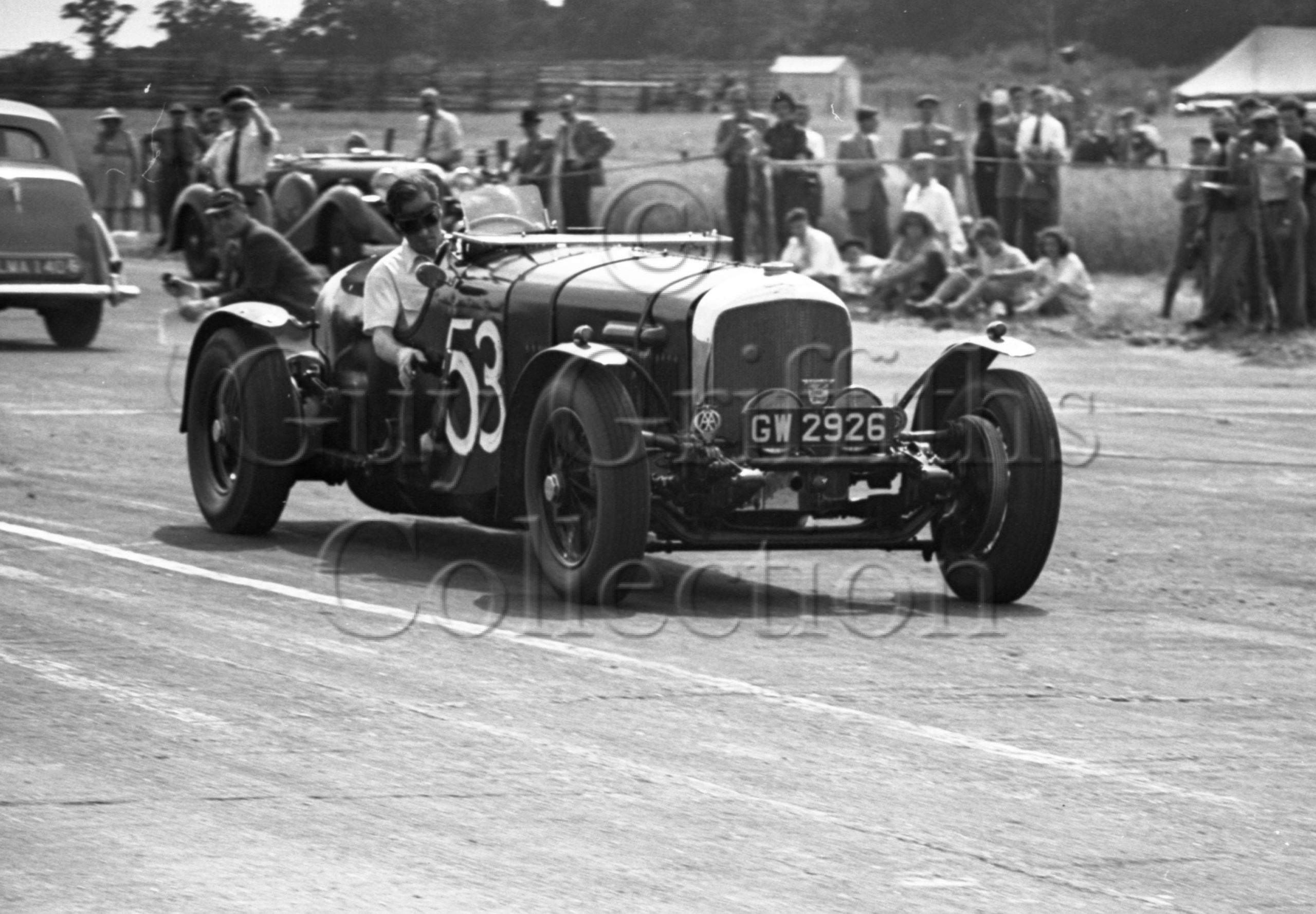19-412—L-Johnson–Bentley–Silverstone–23-07-1949.jpg - Guy Griffiths Collection