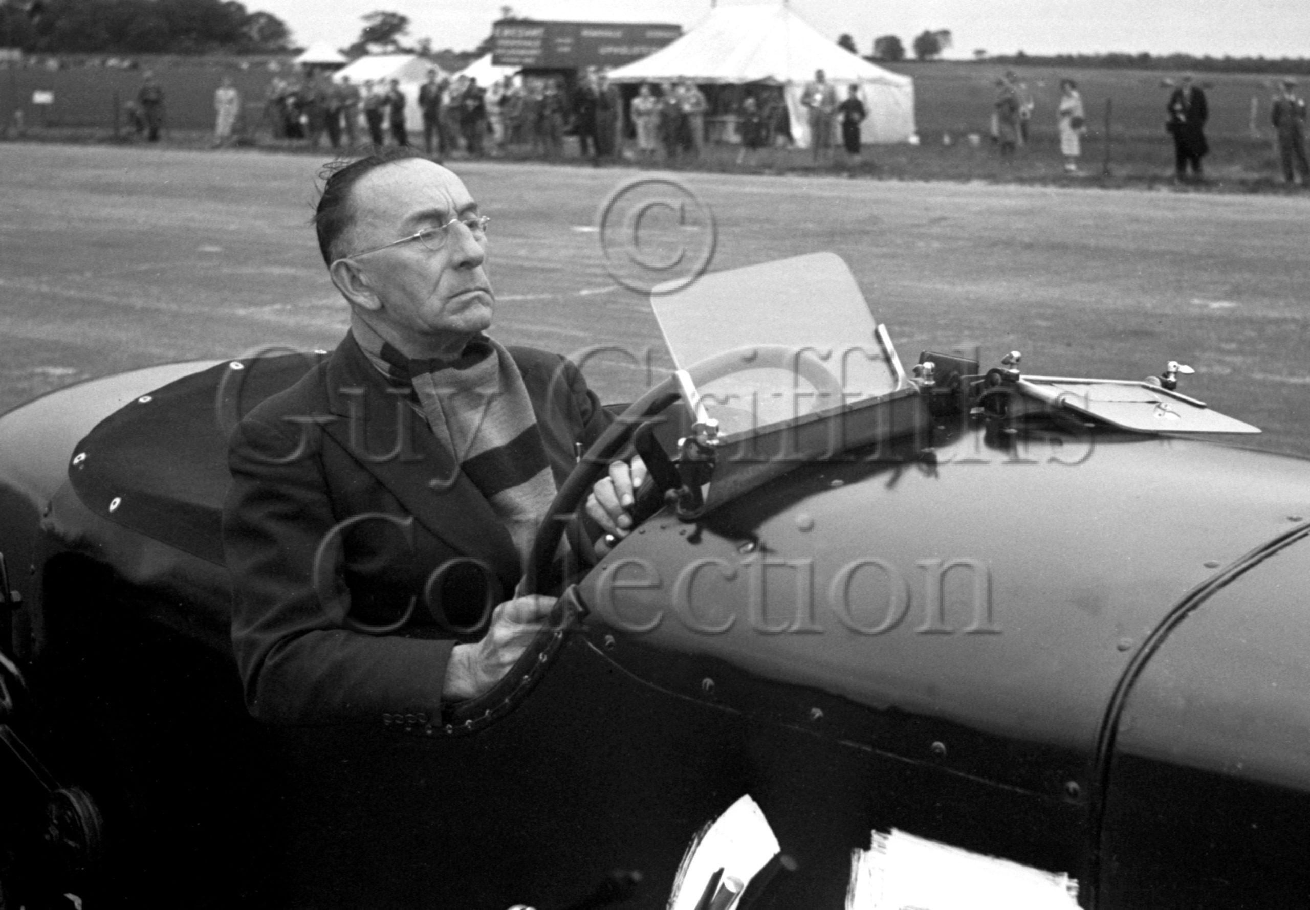 33-563–F-Lycett–Bentley–Silverstone–15-07-1950.jpg - Guy Griffiths Collection