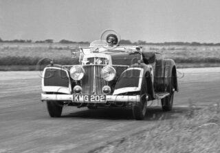 34-381–S-R-Freeman–Aston-Martin–Silverstone–29-07-1950.jpg - Guy Griffiths Collection