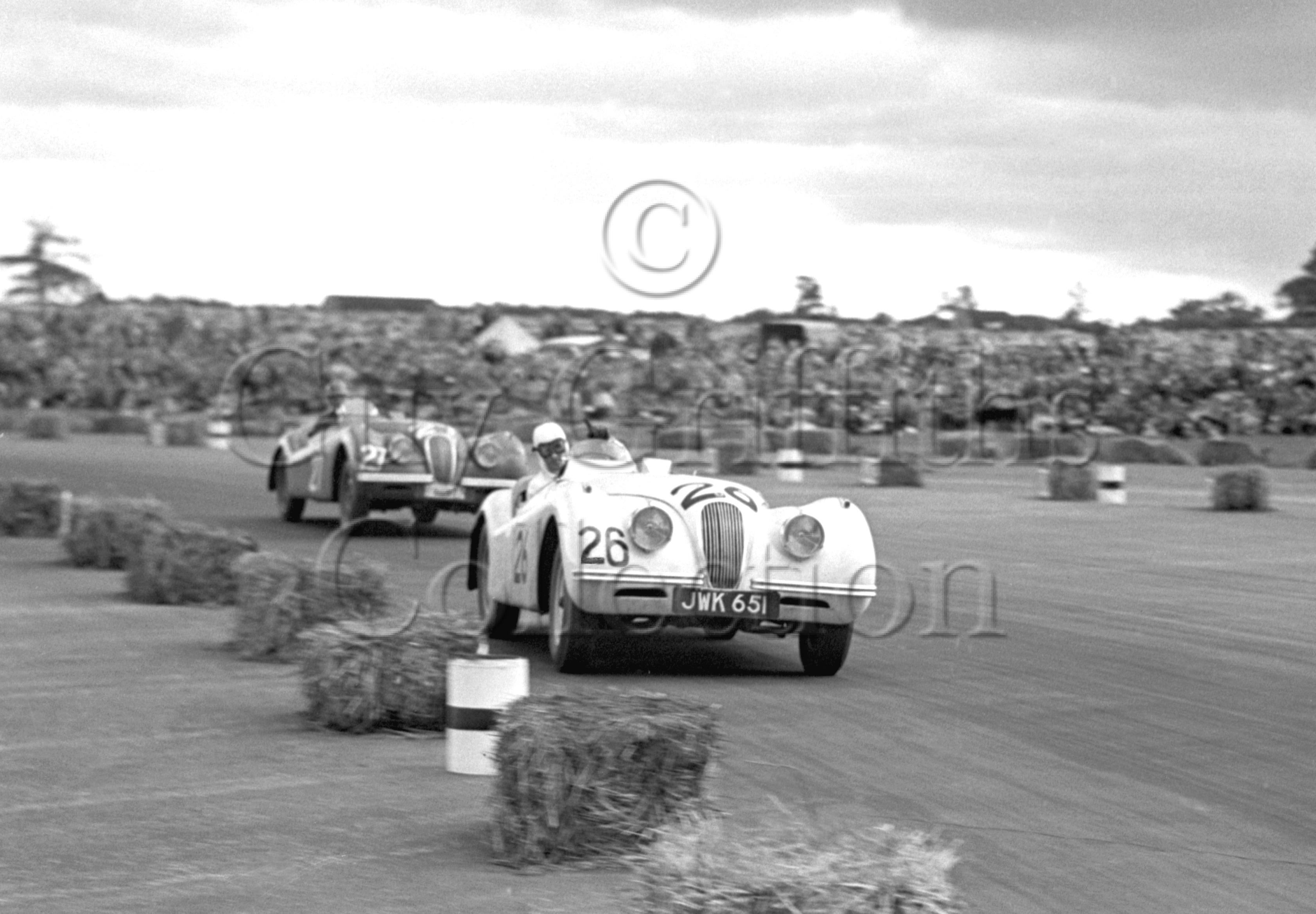 36-111–L-G-Johnson–Jaguar-XK-120-JWK-651–Silverstone–26-08-1950.jpg - Guy Griffiths Collection