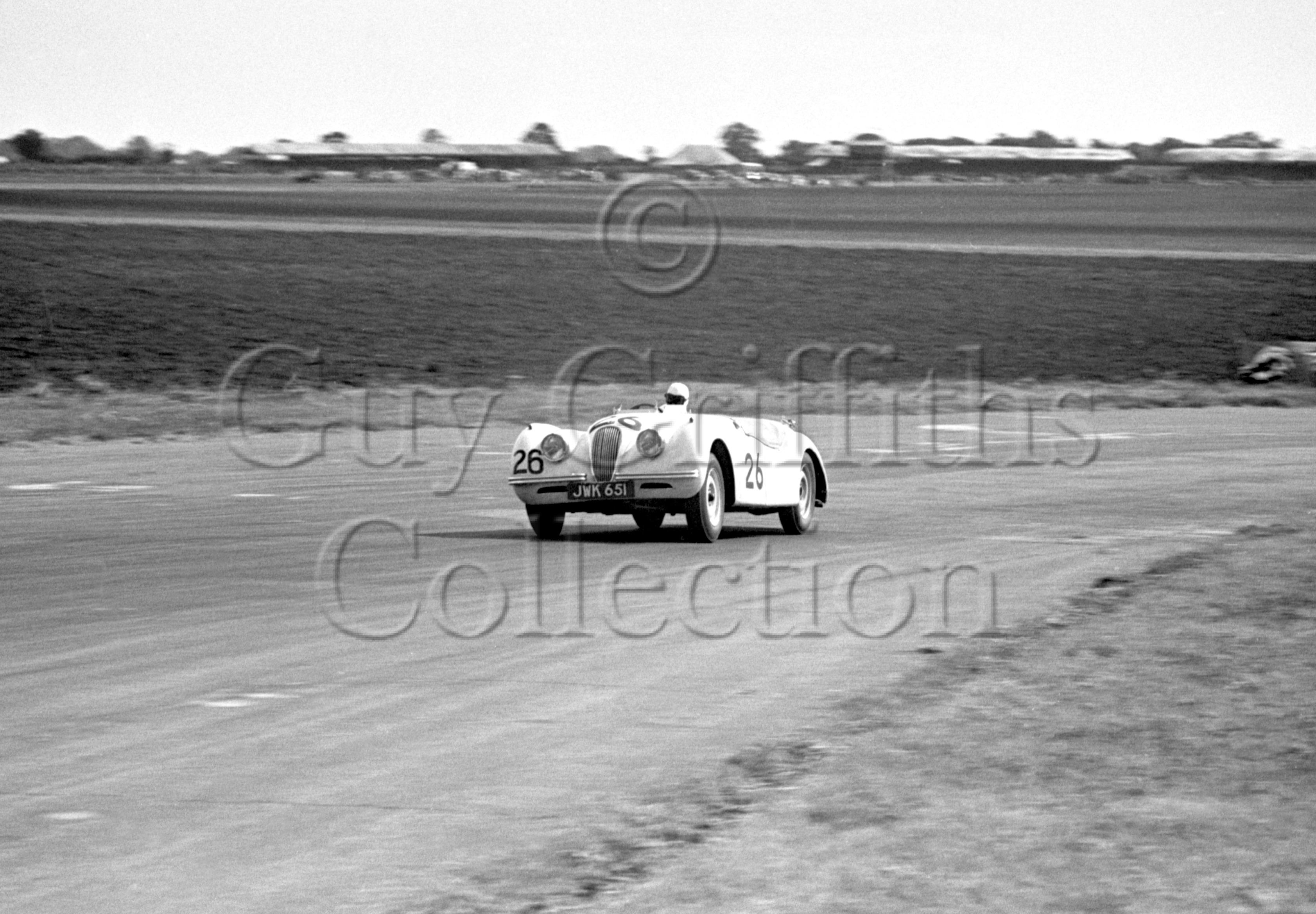 36-144–L-G-Johnson–Jaguar-XK-120-JWK-651–Silverstone–26-08-1950.jpg - Guy Griffiths Collection