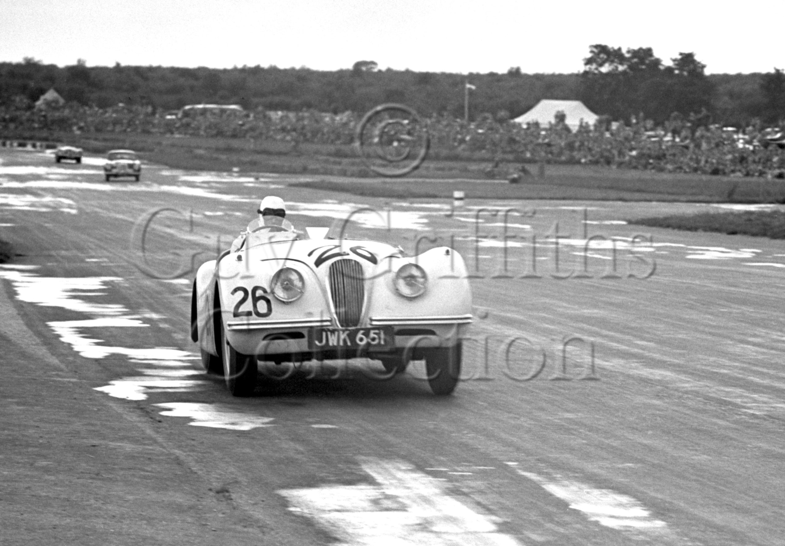 36-182–L-G-Johnson–Jaguar-XK-120-JWK-651–Silverstone–26-08-1950.jpg - Guy Griffiths Collection