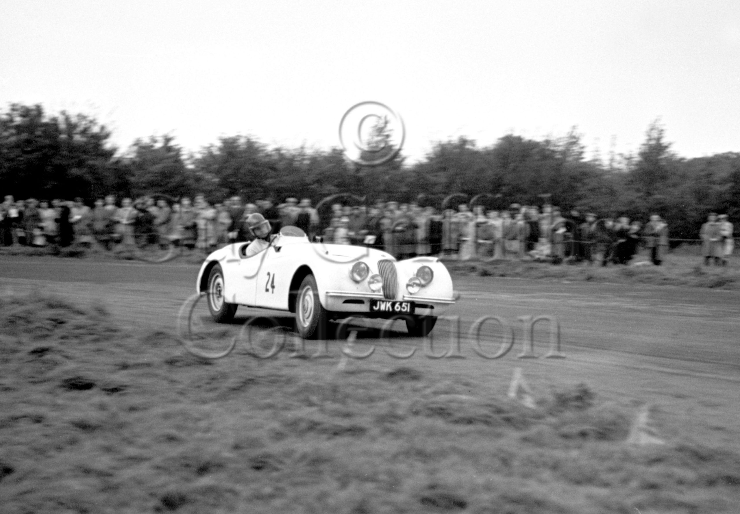 38-273–T-Dargue–Jaguar–Castle-Combe–07-10-1950.jpg - Guy Griffiths Collection