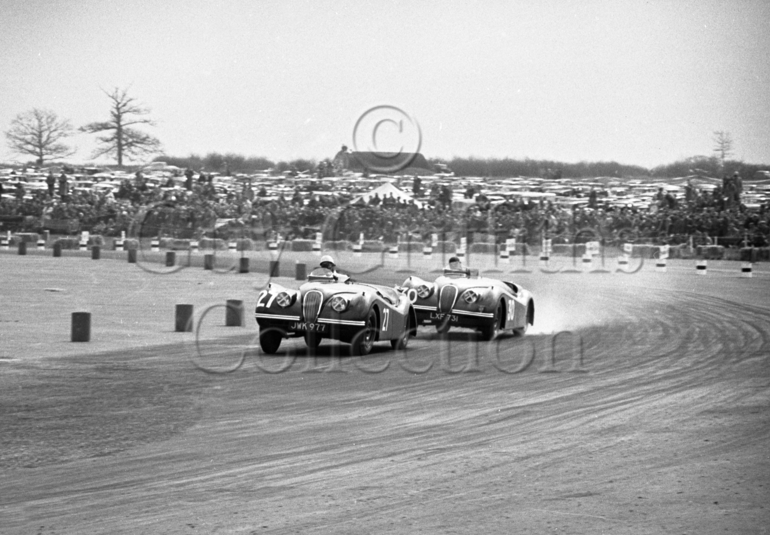 42-242–P-Walker–Jaguar-No-27–D-Hamilton–Jaguar-No-30–Silverstone–05-05-1951.jpg - Guy Griffiths Collection