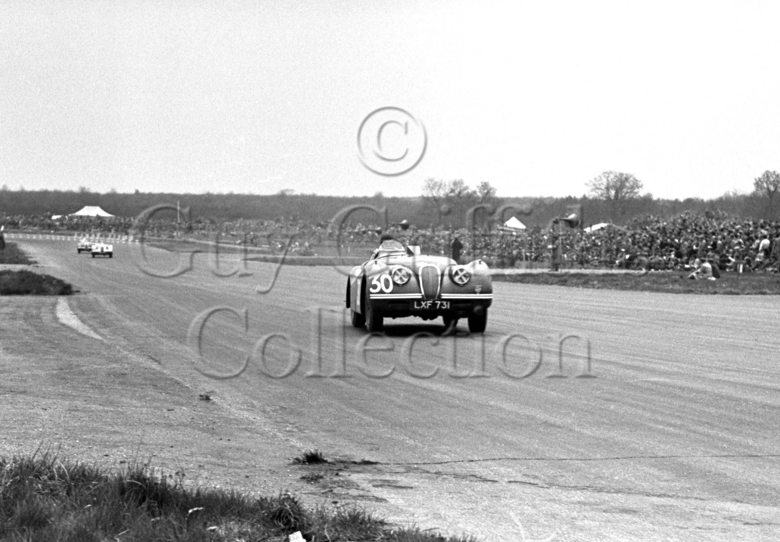 42-284–J-D-Hamilton–Jaguar-XK-120-LXF-731–Silverstone–05-05-1951.jpg - Guy Griffiths Collection