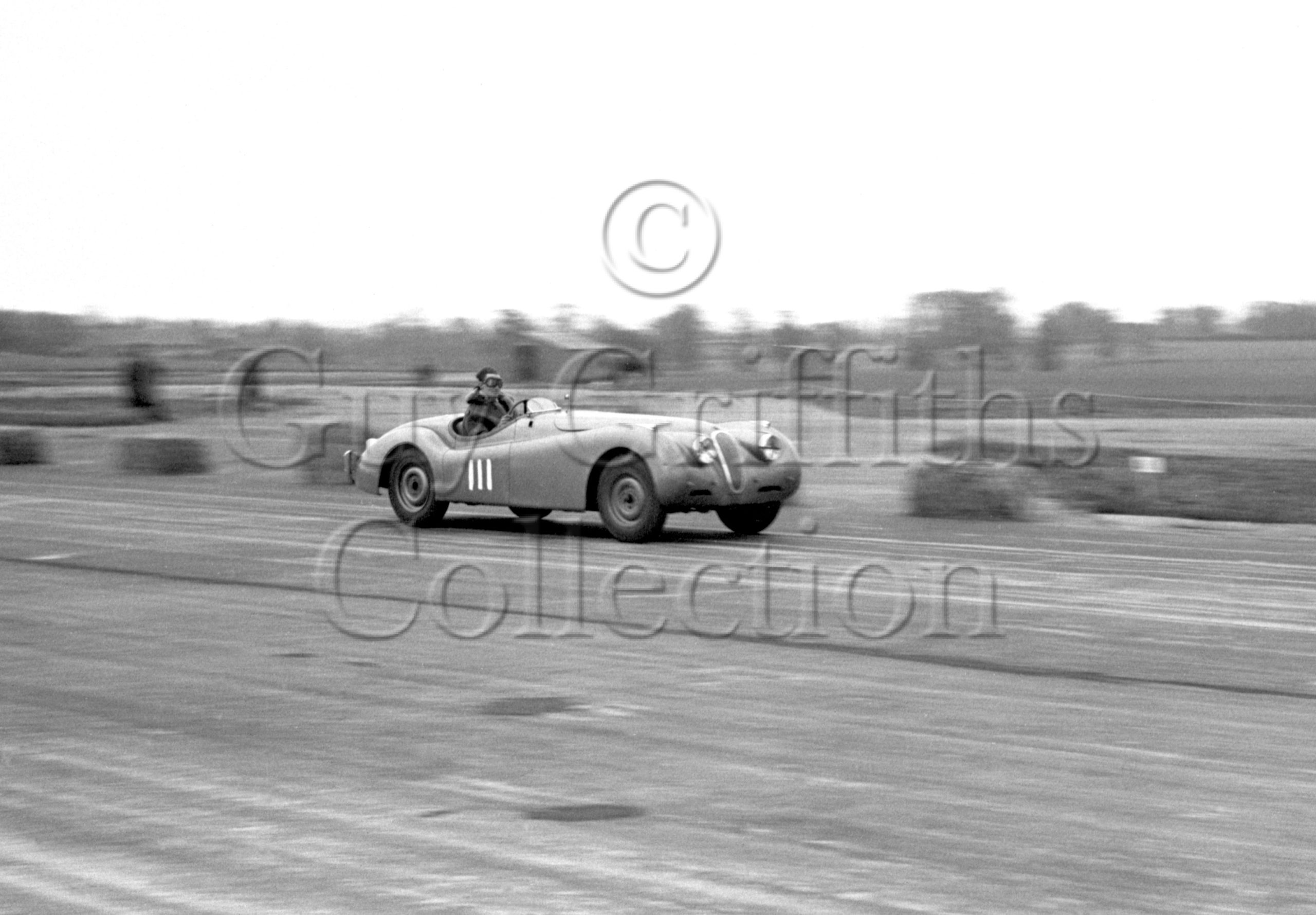 44-184–D-Pierpoint–Jaguar-XK-120-LXO-126–Boreham–26-05-1951.jpg - Guy Griffiths Collection