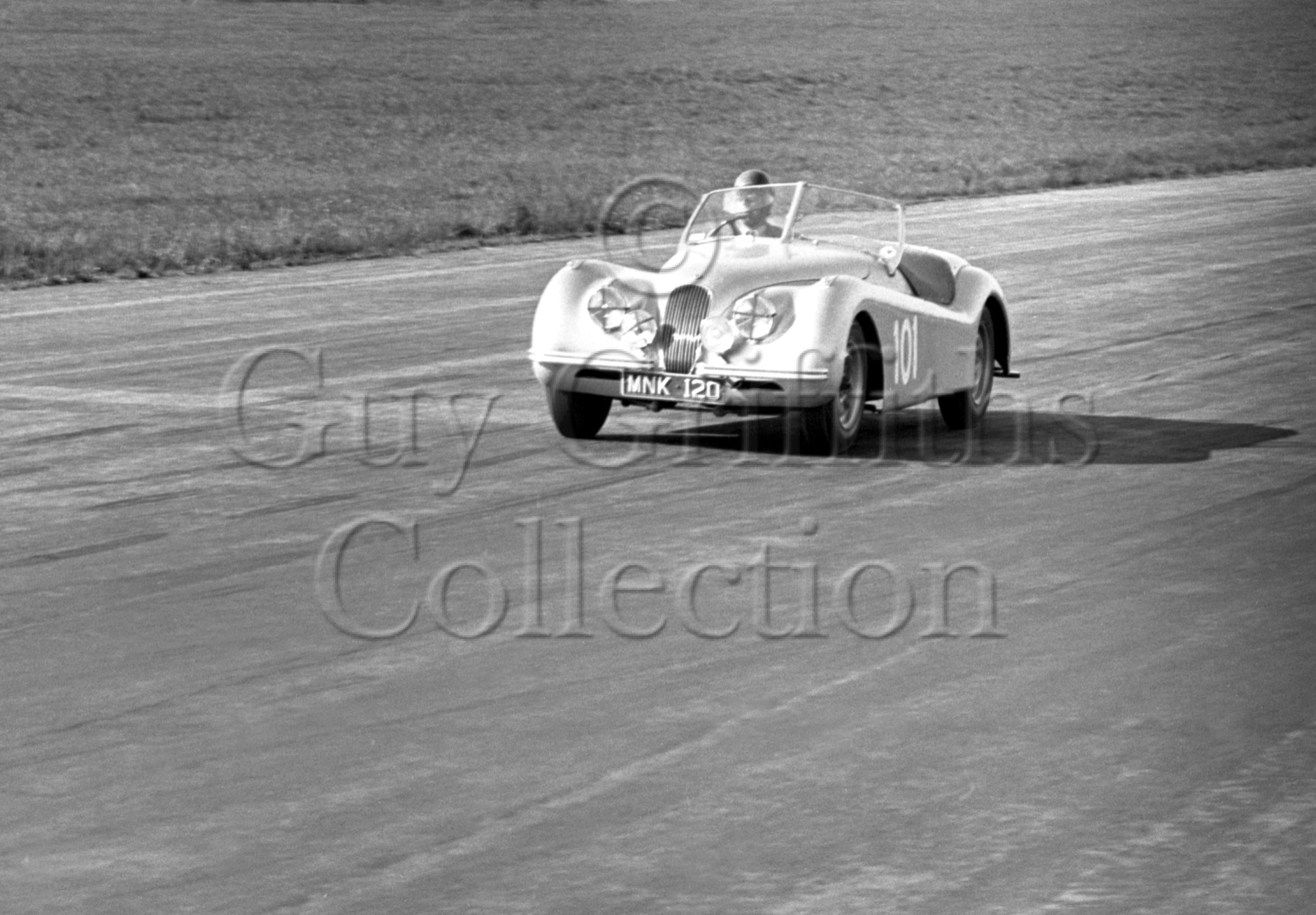 44-893–D-Russell–Jaguar-MNK120–Silverstone–02-06-1951.jpg - Guy Griffiths Collection