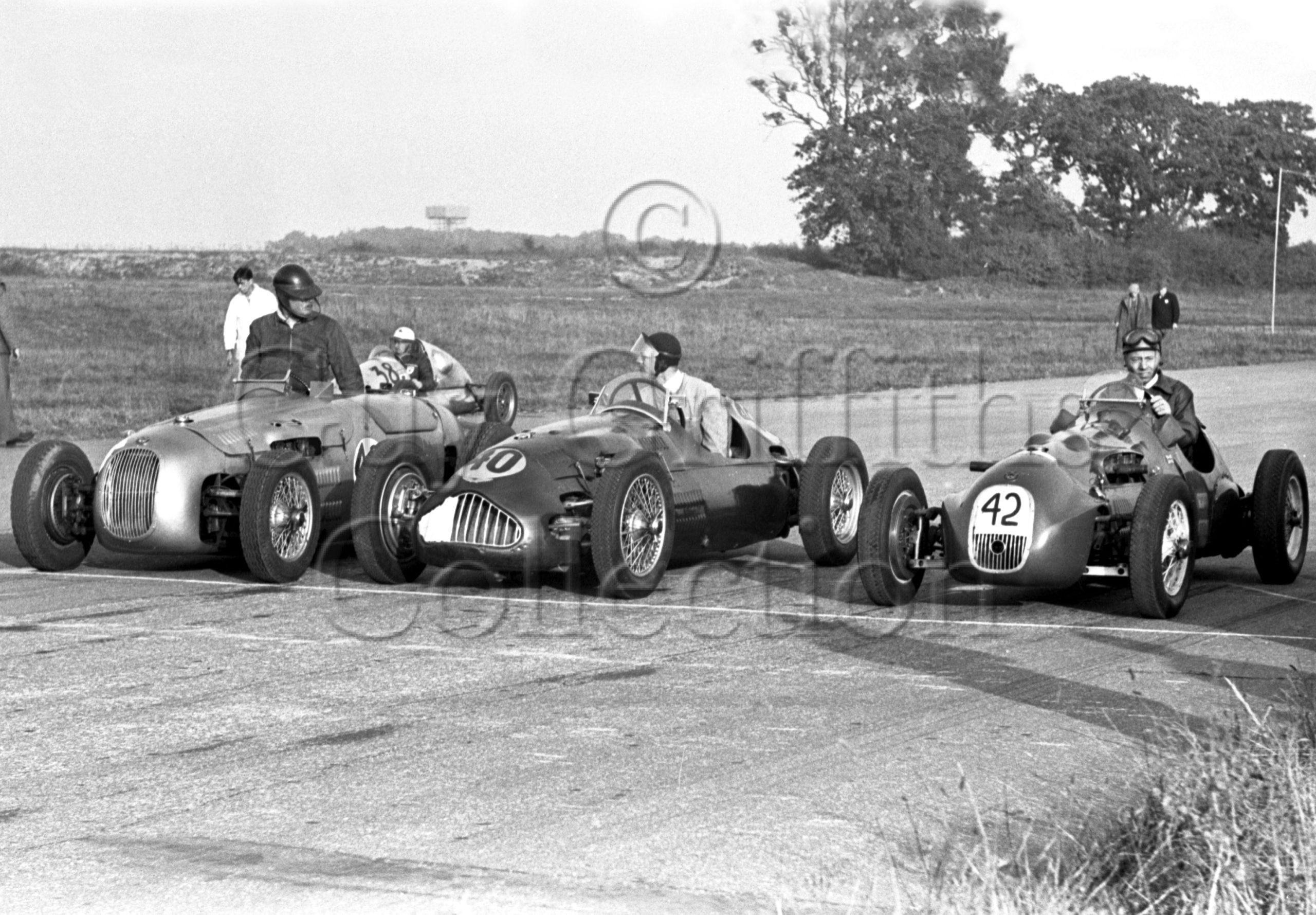 48-904–O-Moore-HWM–R-Woodgate-Alta–G-Abecassis–HWM–Snetterton–27-10-1951.jpg - Guy Griffiths Collection
