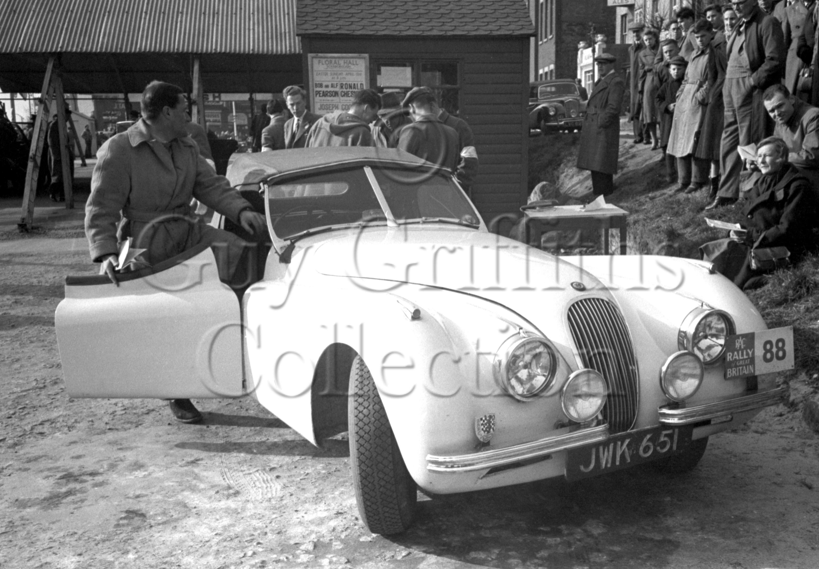 51-582–L-G-Johnson–Jaguar-XK-120–JWK-651–RAC-Rally–31-03-1952.jpg - Guy Griffiths Collection