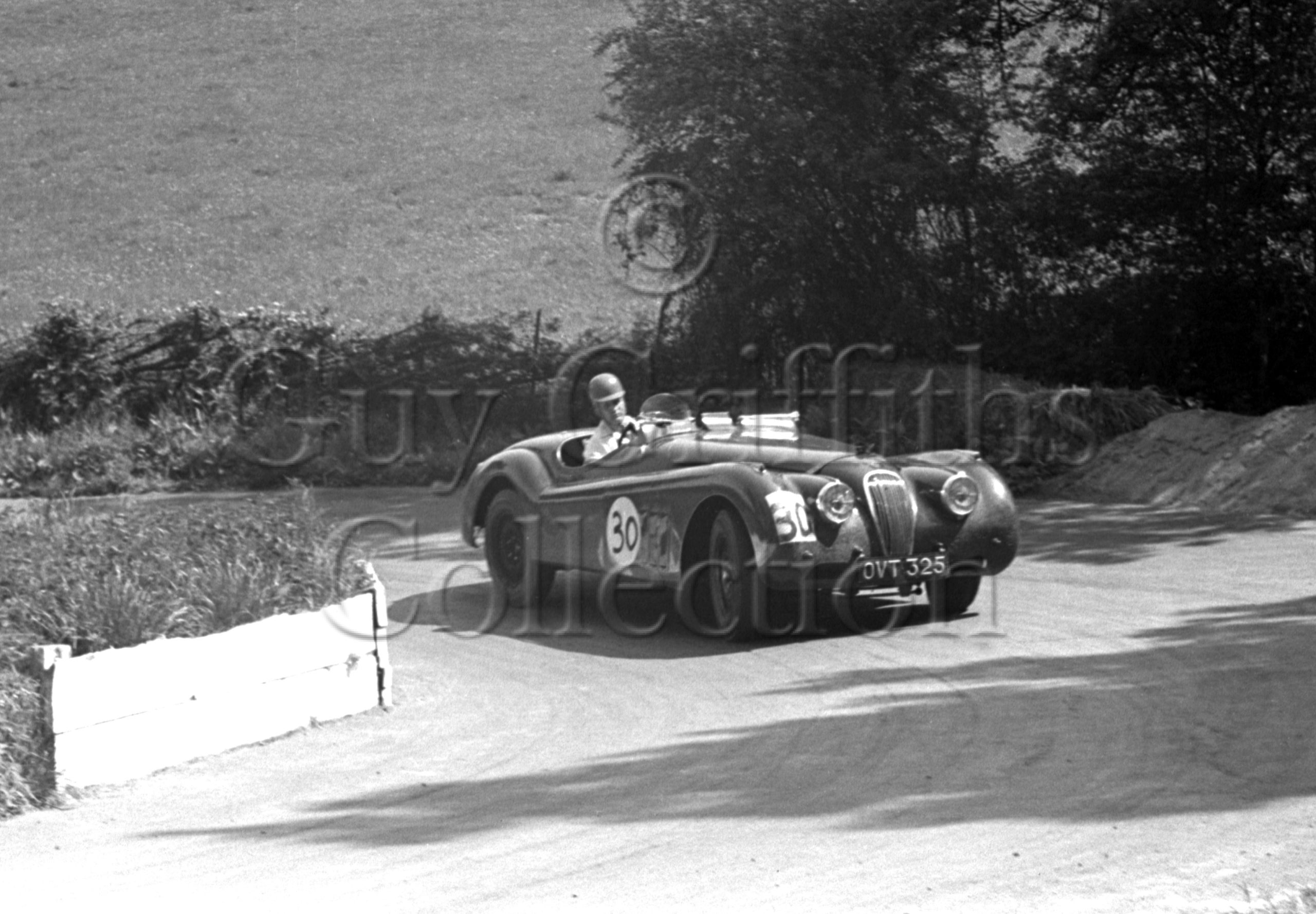 54-885–J-Swift–Jaguar-XK-120-OVT-325–Prescott–18-05-1952.jpg - Guy Griffiths Collection