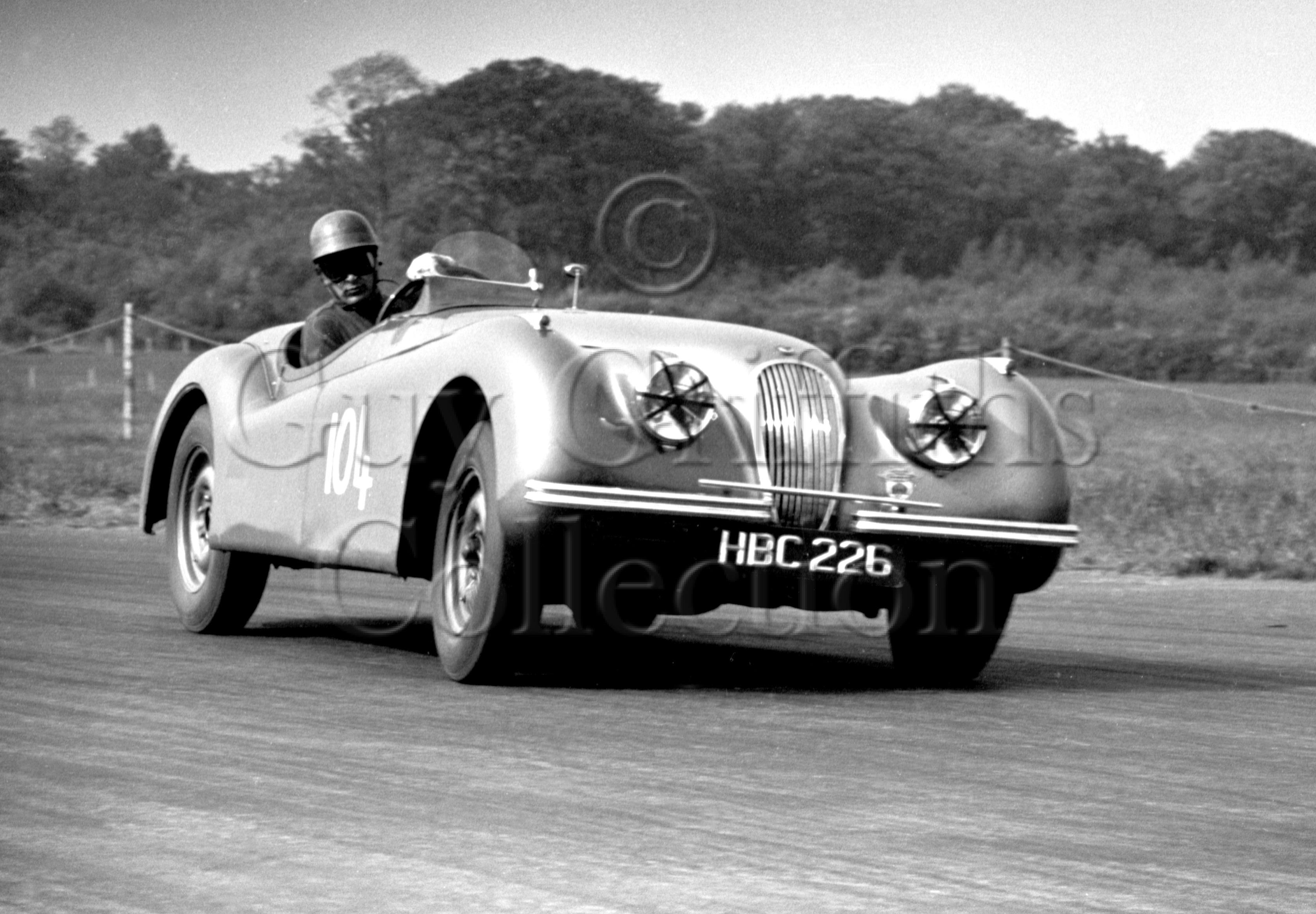 55-202–R-Salvadori–Jaguar–Silverstone–24-05-1952.jpg - Guy Griffiths Collection