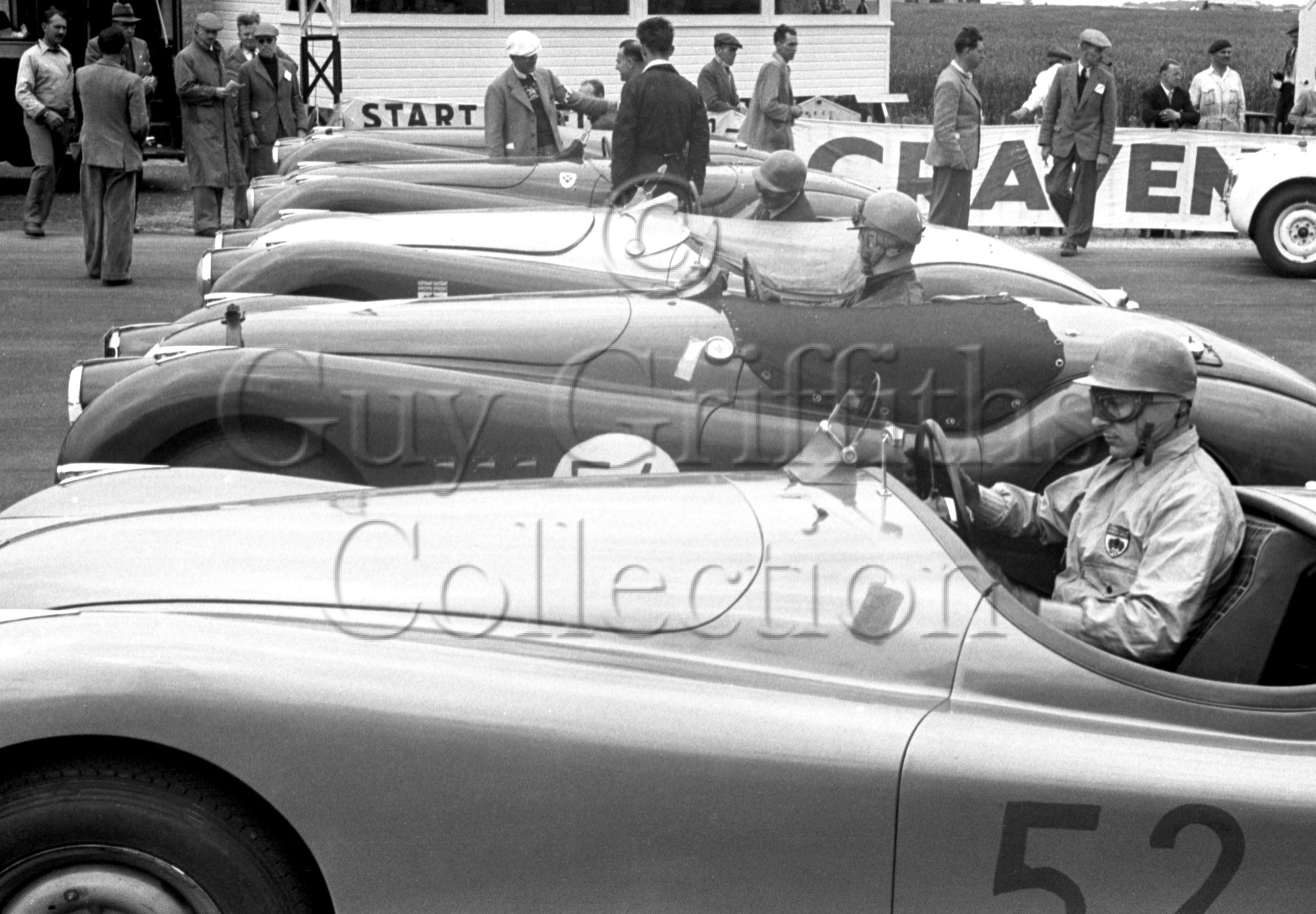 56-322–R-Salvadori–Jaguar–Boreham–21-06-1952.jpg - Guy Griffiths Collection