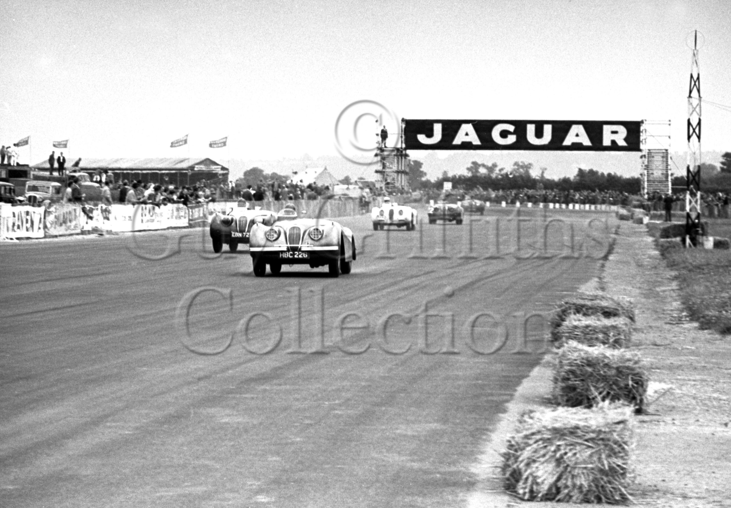 56-331–R-Salvadori–Jaguar–Boreham–21-06-1952.jpg - Guy Griffiths Collection