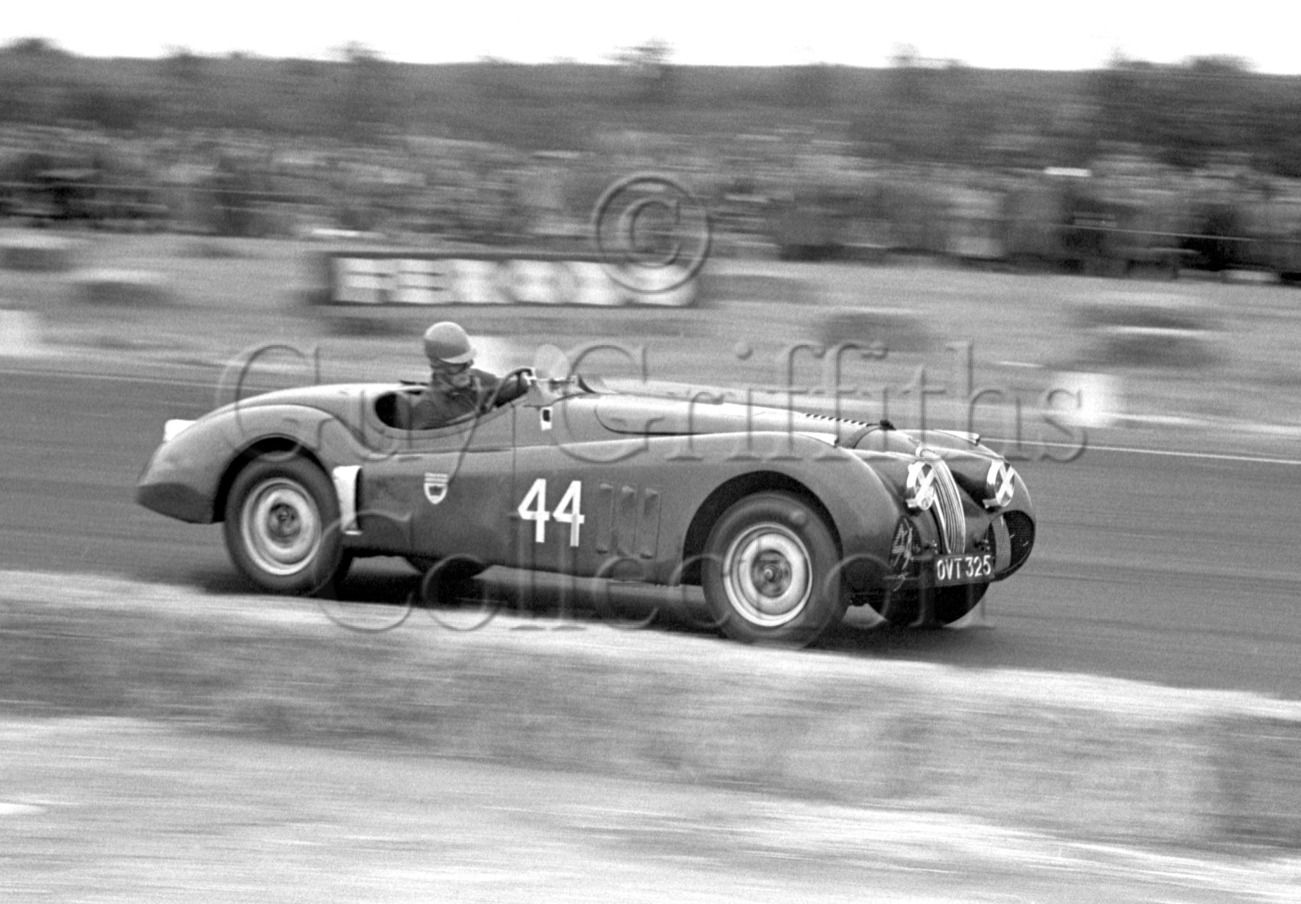 59-413–J-Swift–Jaguar-XK-120-OVT-325–Boreham–02-08-1952.jpg - Guy Griffiths Collection
