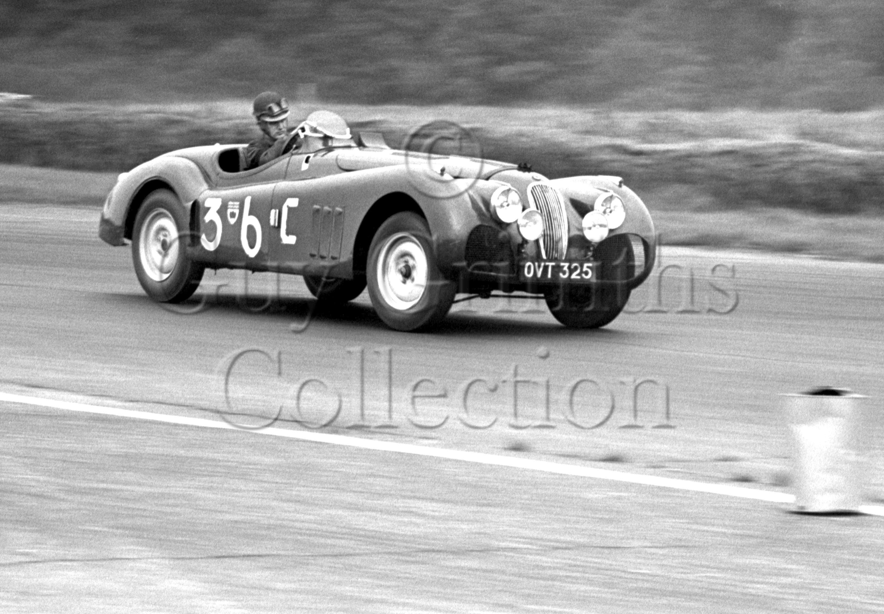 60-392–J-Swift–Jaguar-XK-120-OVT-325–Silverstone–30-08-1952.jpg - Guy Griffiths Collection