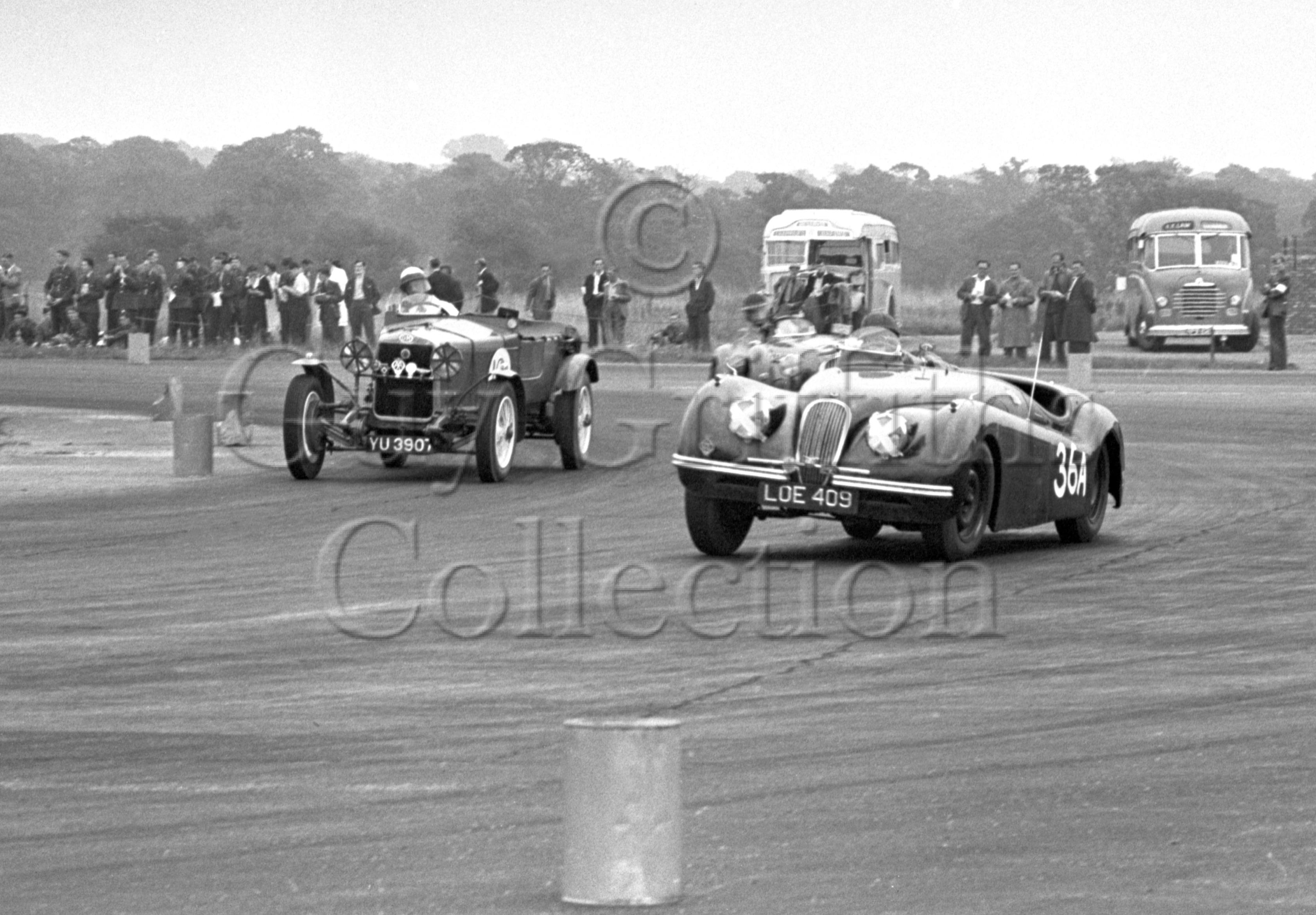 60-571–D-O'M-Taylor–Jaguar-XK-120-LOE-409–Silverstone–30-08-1952.jpg - Guy Griffiths Collection
