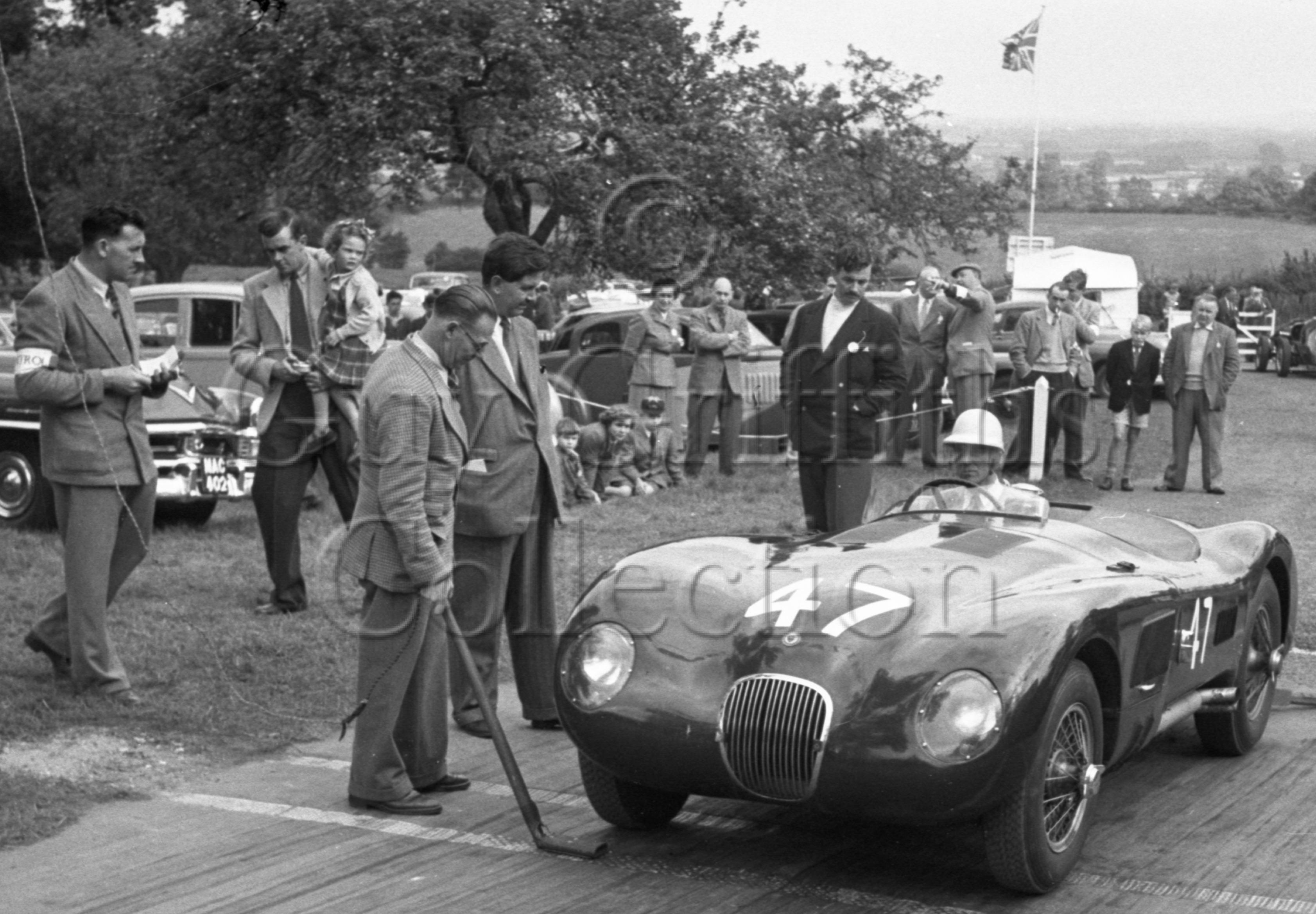 61-672–P-Walker–Jaguar-C-Type–F-R-W-England–Prescott–20-09-1952.jpg - Guy Griffiths Collection