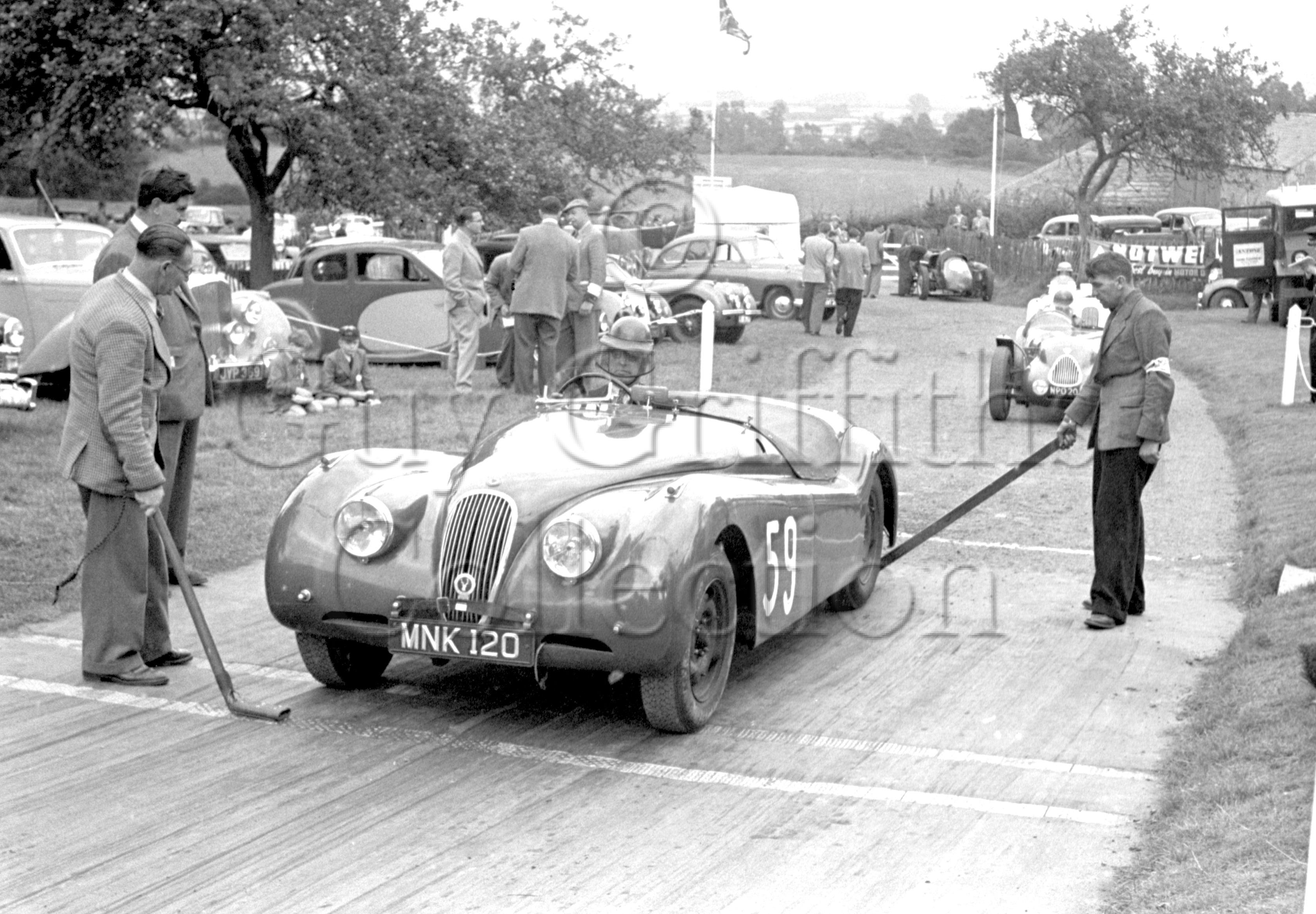 61-681–D-Russell–Jaguar–Prescott–14-09-1952.jpg - Guy Griffiths Collection