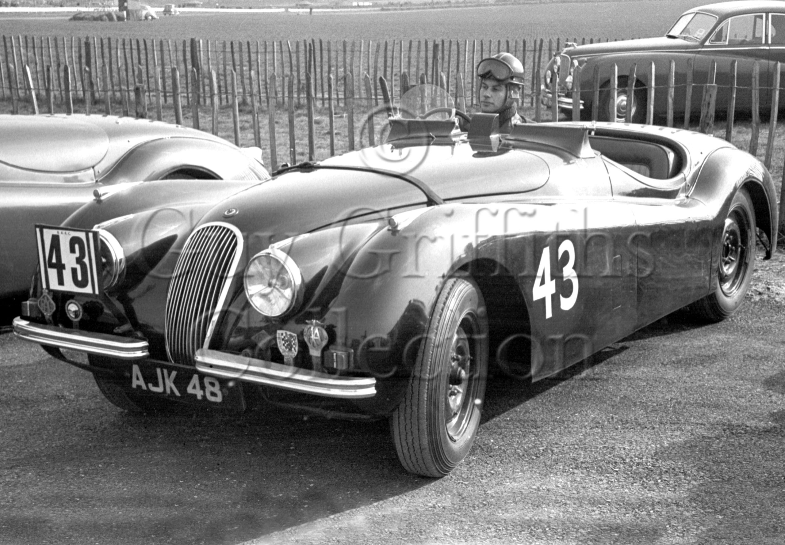 65-365–M-Levy–Jaguar-XK-120-AJK-48–Goodwood–21-03-1953.jpg - Guy Griffiths Collection