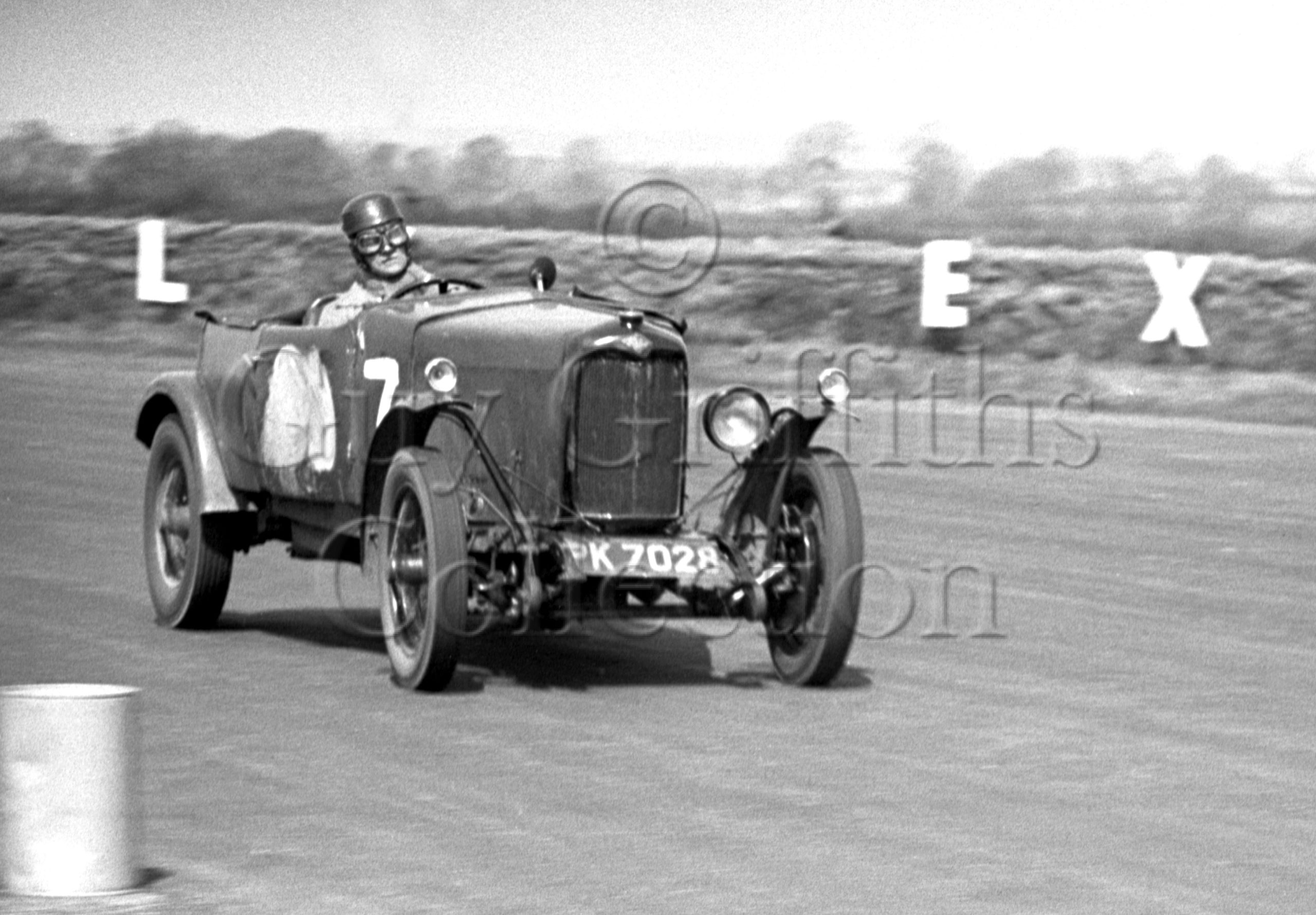 67-854–L-Beavis–Riley–Silverstone–02-05-1953.jpg - Guy Griffiths Collection