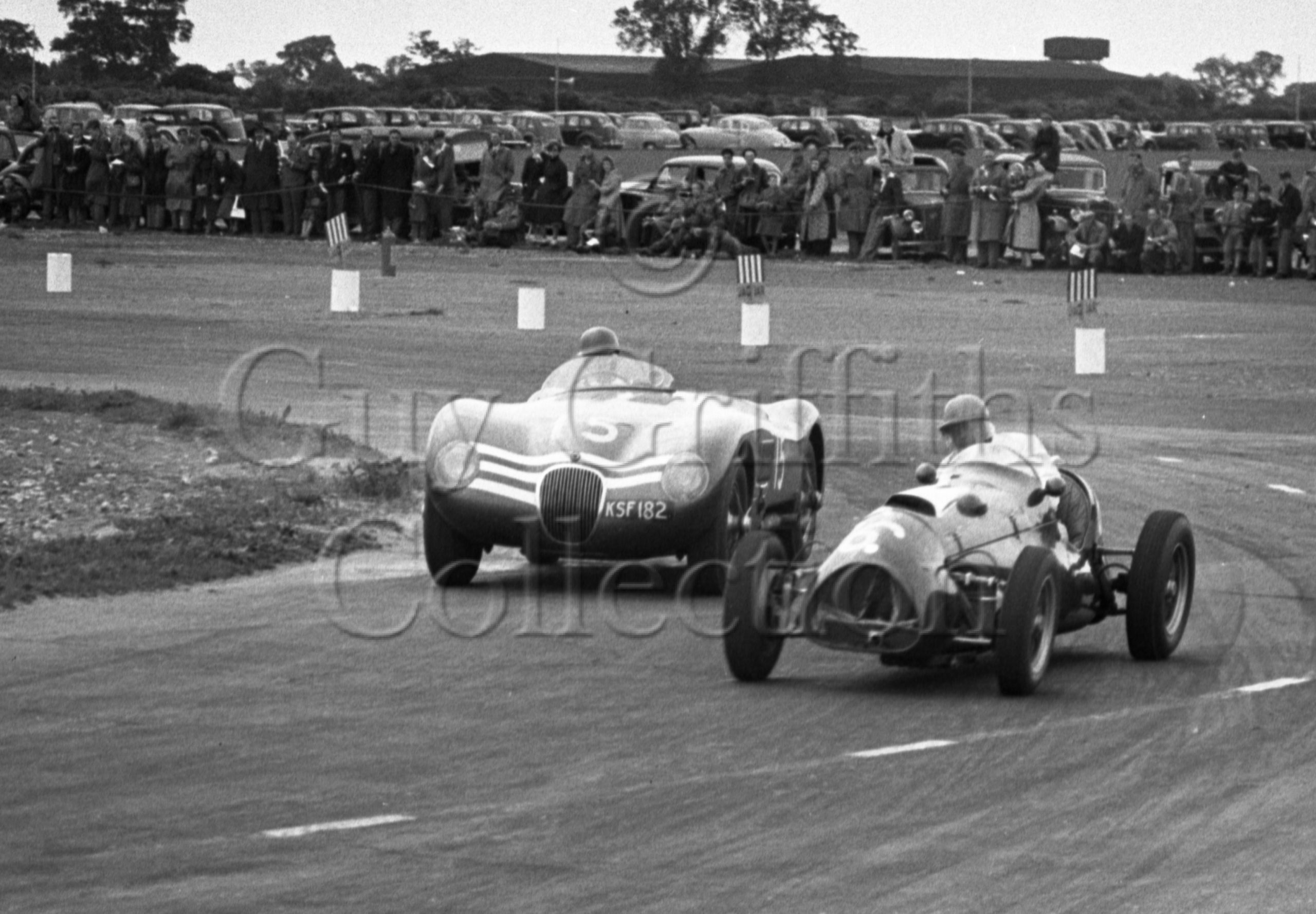 70-874–J-Lawrence–Jaguar-C-Type-KSF-182–Snetterton–30-05-1953.jpg - Guy Griffiths Collection