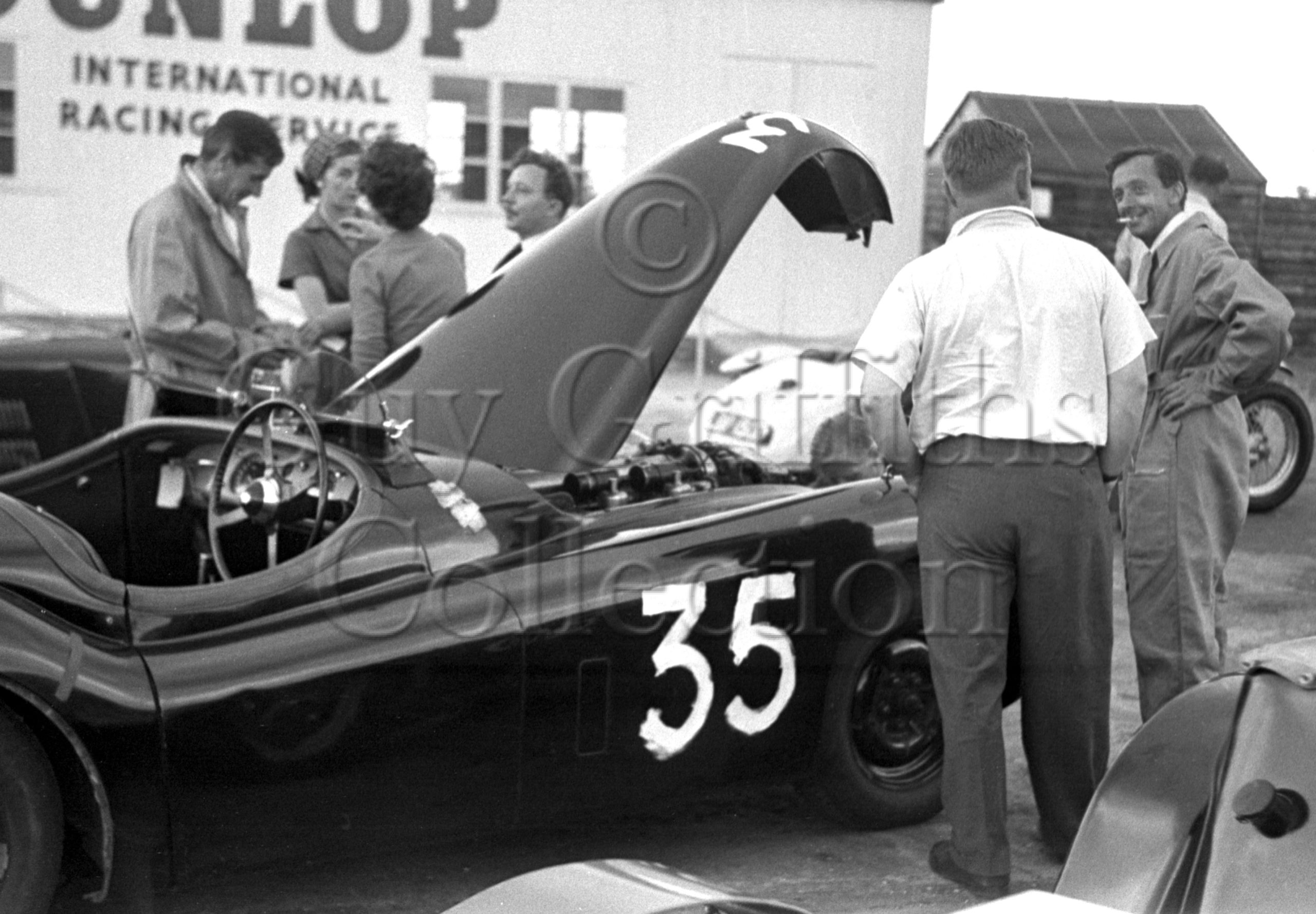 72-561–D-O'M-Taylor–Jaguar–Silverstone–27-06-1953.jpg - Guy Griffiths Collection