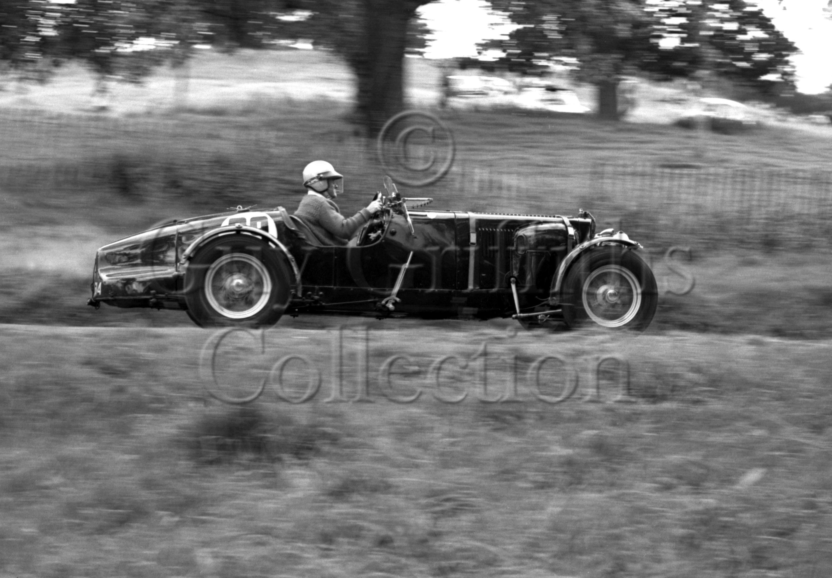 77-493—Aston-Martin-CMC-614–Prescott–18-08-1963.jpg - Guy Griffiths Collection