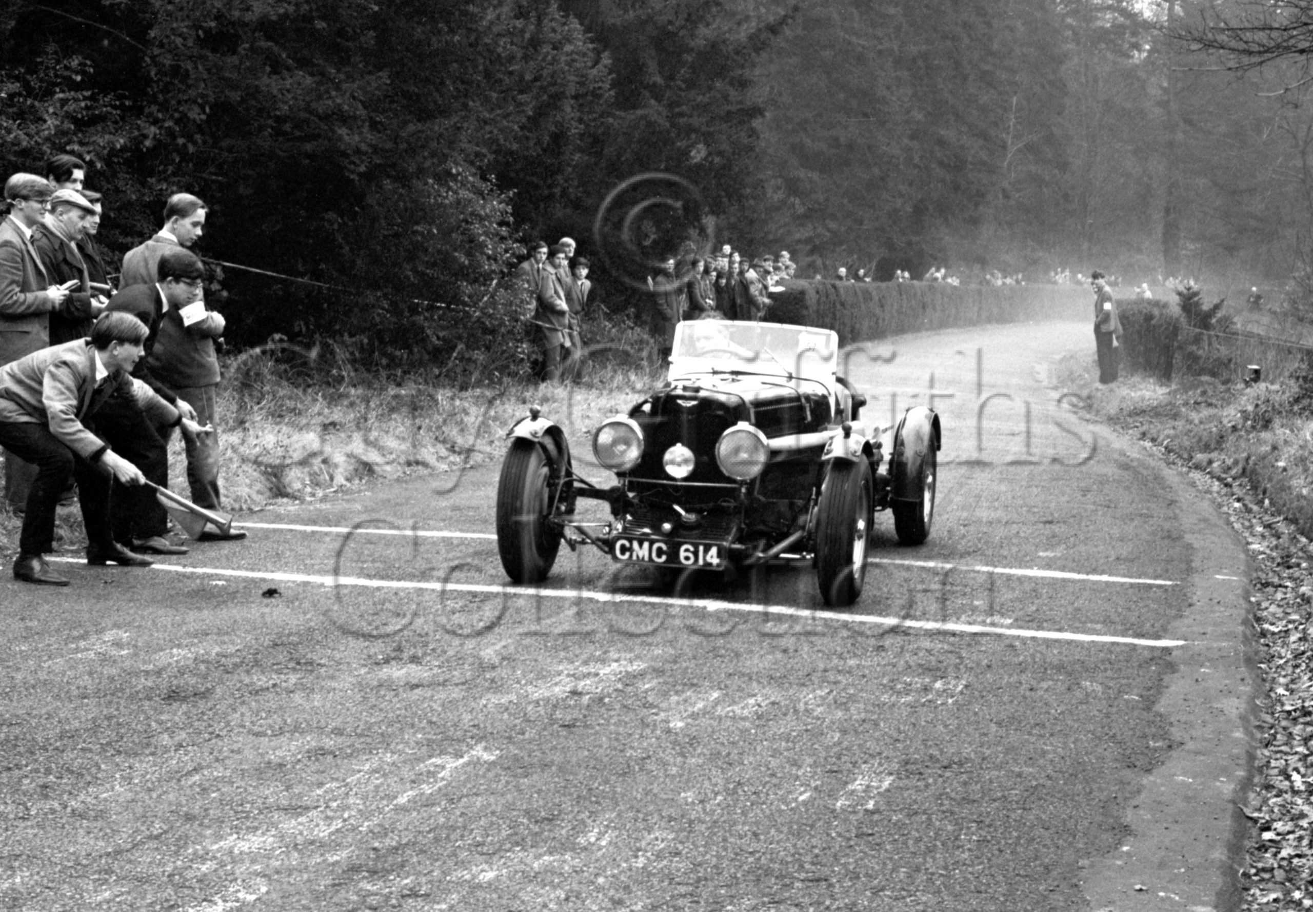 80-121–D-Edwards–Aston-Martin-CMC-614–Charterhouse–09-02-1964.jpg - Guy Griffiths Collection