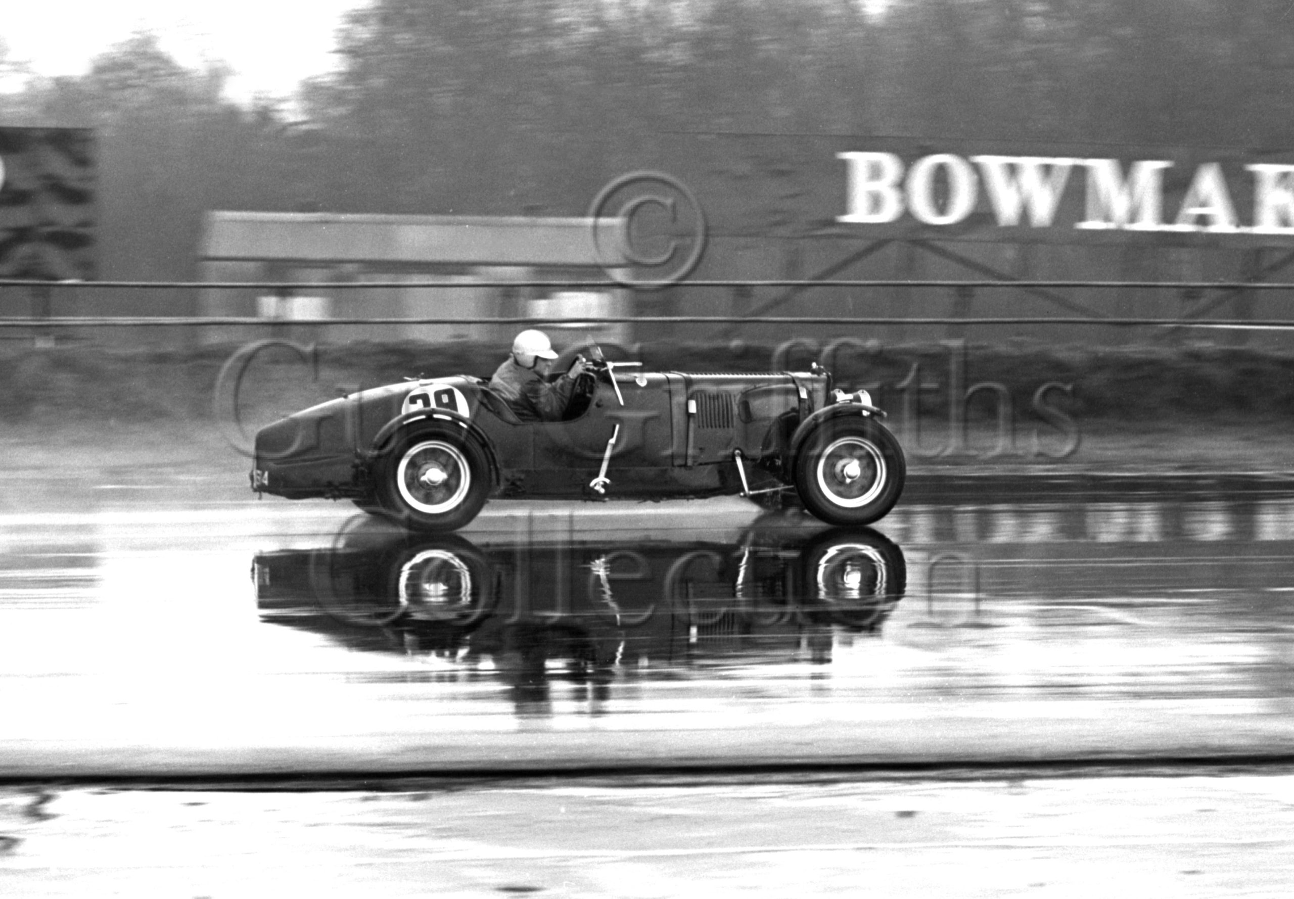 80-654–D-Edwards–Aston-Martin-CMC-614–Silverstone—21-03-1964.jpg - Guy Griffiths Collection