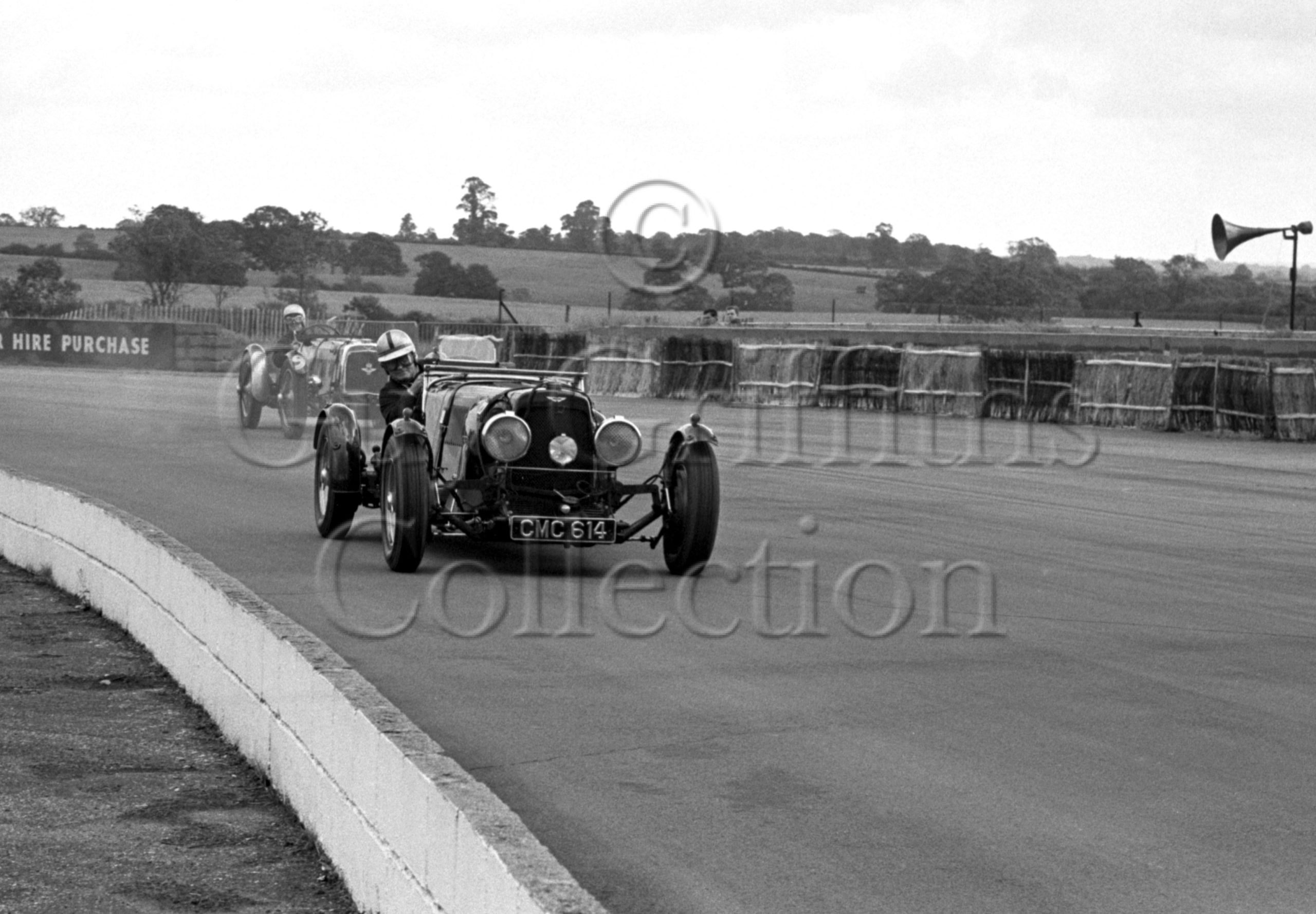 92-864–D-Edwards–Aston-Martin-CMC-614–Silverstone–24-07-1965.jpg - Guy Griffiths Collection