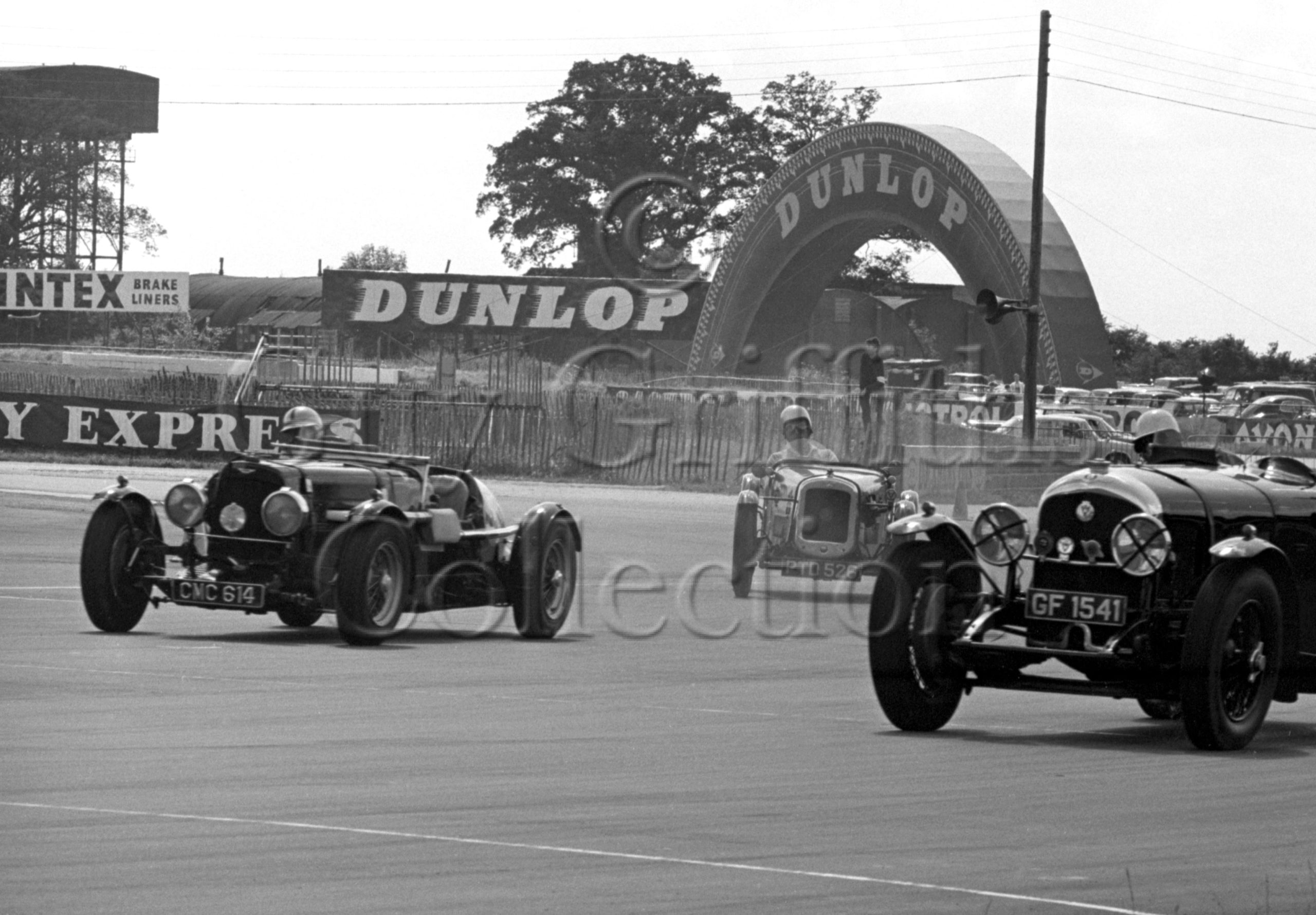 93-266–D-Edwards–Aston-Martin-CMC-614–Silverstone–31-07-1965.jpg - Guy Griffiths Collection