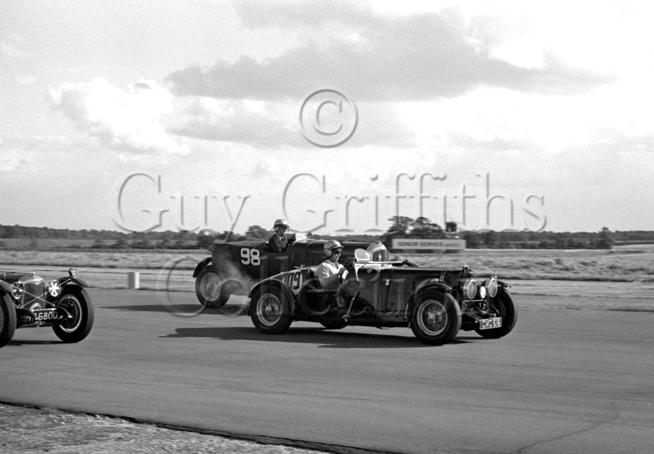 93-745–Mrs-J-Hogg–Aston-Martin-CMC-614–Silverstone–31-07-1965.jpg - Guy Griffiths Collection