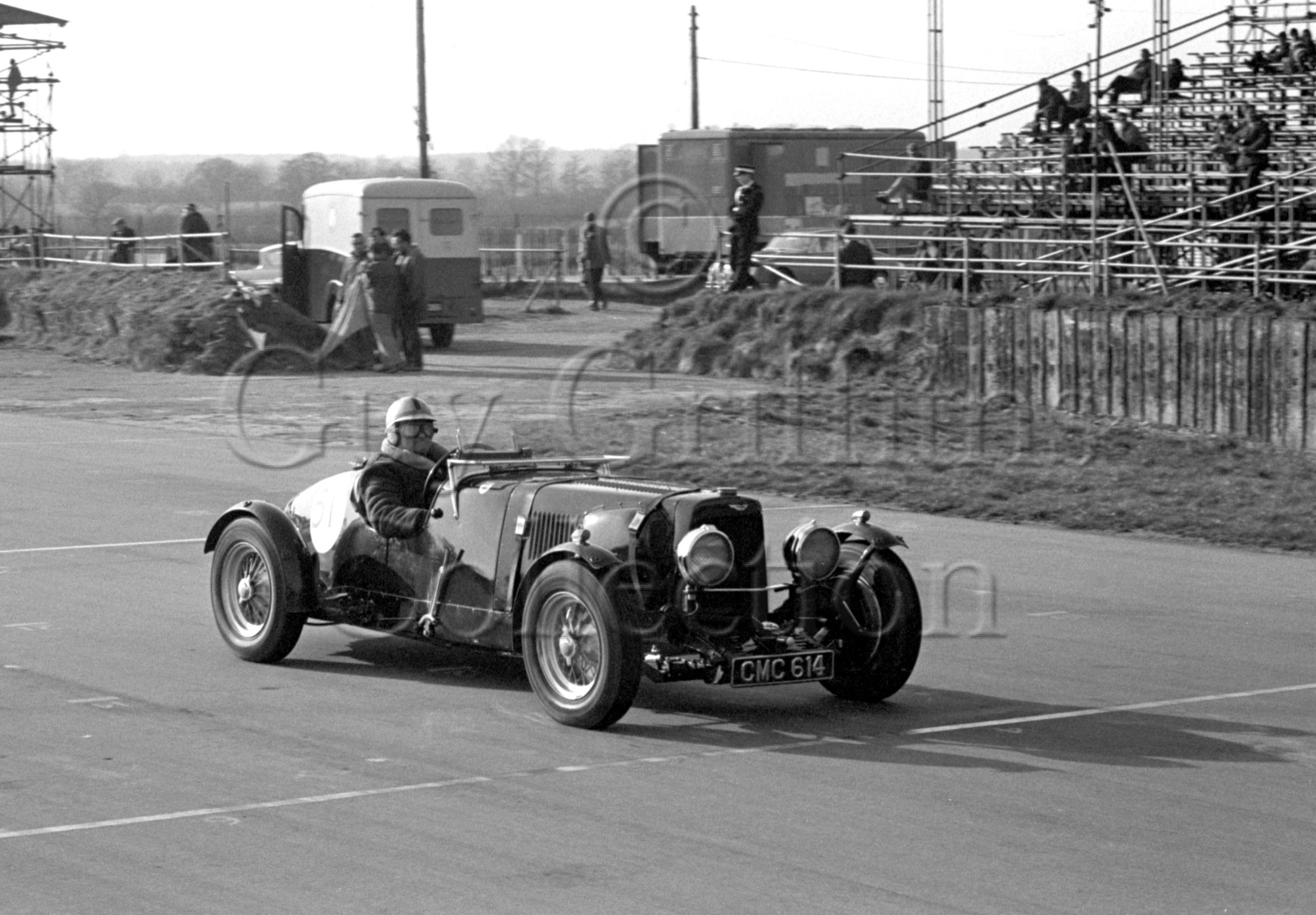 97-523–D-Edwards–Aston-Martin-CMC-614–Silverstone–19-03-1966.jpg - Guy Griffiths Collection